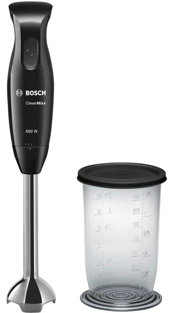 Bosch MSM2610B блендерMSM2610BПогружной блендер Bosch MSM2610B позволит вам готовить с удовольствием. Устройство обеспечивает быстрый результат и отличное качество благодаря мощному мотору 600 Ватт. В комплекте вы найдете прозрачный мерный стакан, при помощи которого удобно отмерять нужное количество продуктов и смешивать их непосредственно в стакане, а удобная крышка позволит хранить его в холодильнике. Нож с 4 острыми лезвиями гарантирует отличные результаты при смешивании и измельчении продуктов. Погружная часть изготовлена из высококачественной нержавеющей стали. Не вступает в реакцию с продуктами питания, не окрашивается при взаимодействии с томатами и морковью. Небольшой вес прибора и эргономичная форма ручки созданы для комфортной работы. Bosch MSM2610B смешивает и измельчает продукты качественно и без брызг благодаря специальной конструкции погружной части.