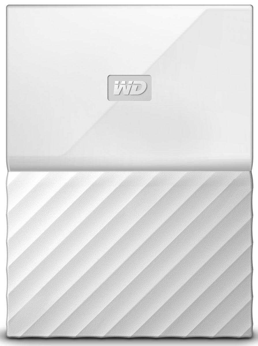 WD My Passport 3TB, White внешний жесткий диск (WDBUAX0030BWT-EEUE)WDBUAX0030BWT-EEUEWD My Passport - это надежный портативный накопитель, который прекрасно подойдет для тех, кто не любит сидеть на месте. Он отлично ложится в руку, обладая при этом значительной емкостью, которой хватит для хранения большого количества фотографий, видео, музыки и документов. Благодаря безупречной работе с программным обеспечением WD Backup и защите паролем накопитель My Passport позволяет хранить свои файлы в безопасности. Накопитель My Passport поставляется с программой WD Backup, предназначенной для резервного копирования ваших фотографий, видео, музыки и документов. Вы можете настроить ее так, чтобы она запускалась автоматически по заданному вами расписанию. Просто выберите время и периодичность резервного копирования важных файлов в вашей системе на накопитель My Passport. Встроенное в накопитель My Passport аппаратное 256-разрядное шифрование AES и программа WD Security позволяют хранить материалы в безопасности и конфиденциальности. Просто...