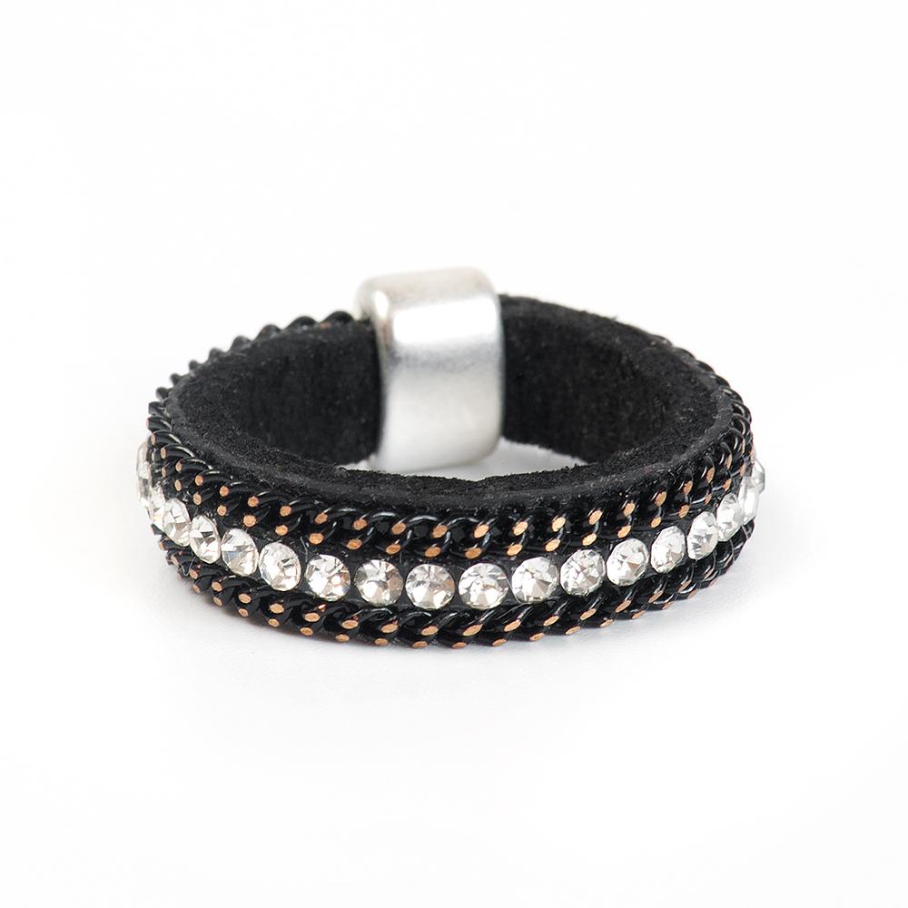 Кольцо Selena, цвет: черный. 60026228. Размер 1860026228Натуральная кожа, кристаллы Preciosa, латунь. Гальваническое покрытие матовый родий., размер Кольцо 18