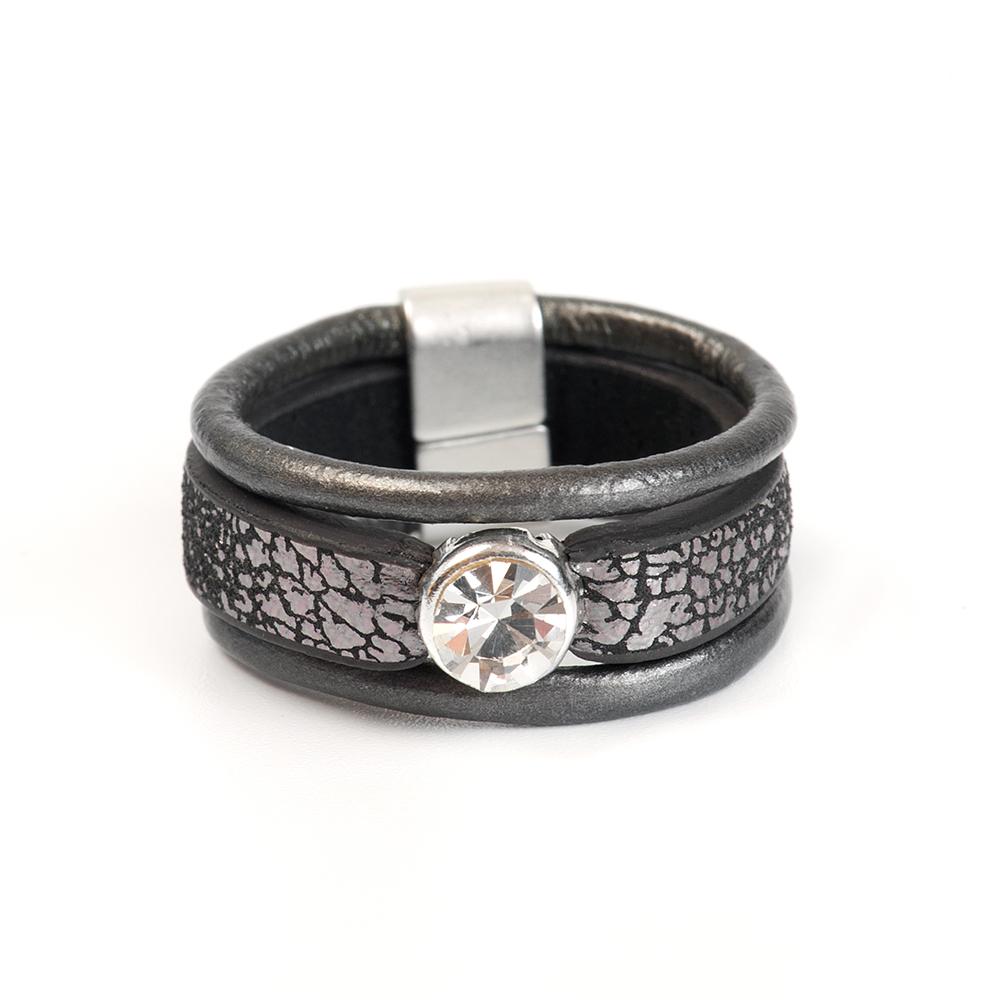 Кольцо Selena, цвет: серый, черный. 60026317. Размер 1760026317Натуральная кожа, кристаллы Preciosa, латунь. Гальваническое покрытие матовый родий., размер Кольцо 17