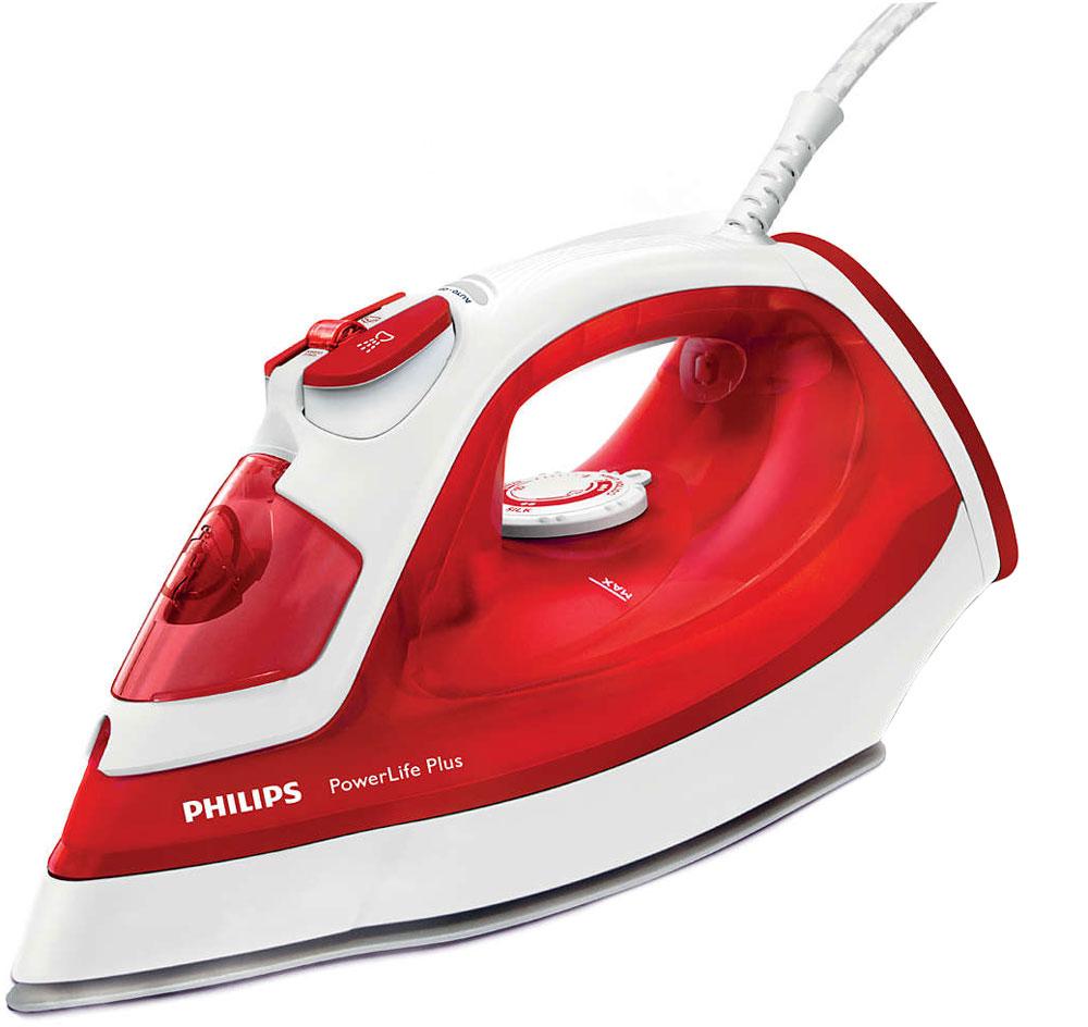 Philips GC2986/40 PowerLife Plus утюгGC2986/40Паровой утюг Philips PowerLife Plus обеспечивает великолепные результаты глажения день за днем — превосходные характеристики благодаря новой подошве SteamGlide, постоянной мощной подаче пара, удобной функции очистки от накипи для оптимальной подачи пара надолго и подставке для дополнительной устойчивости в вертикальном положении. Подошва SteamGlide — идеальная подошва от Philips для вашего парового утюга. Идеально скользящая, легкоочищаемая поверхность, устойчивая к появлению царапин. Этот паровой утюг Philips оснащен системой капля-стоп, поэтому вы сможете гладить даже деликатные ткани при низкой температуре, не беспокоясь о появлении пятен воды на одежды. 2400 Вт для быстрого нагрева и безупречного глажения. Постоянная подача пара до 40 г/мин обеспечивает оптимальное количество пара для разглаживания складок. Паровой удар до 140 г для быстрого удаления даже самых жестких складок. Этот паровой утюг можно использовать с...