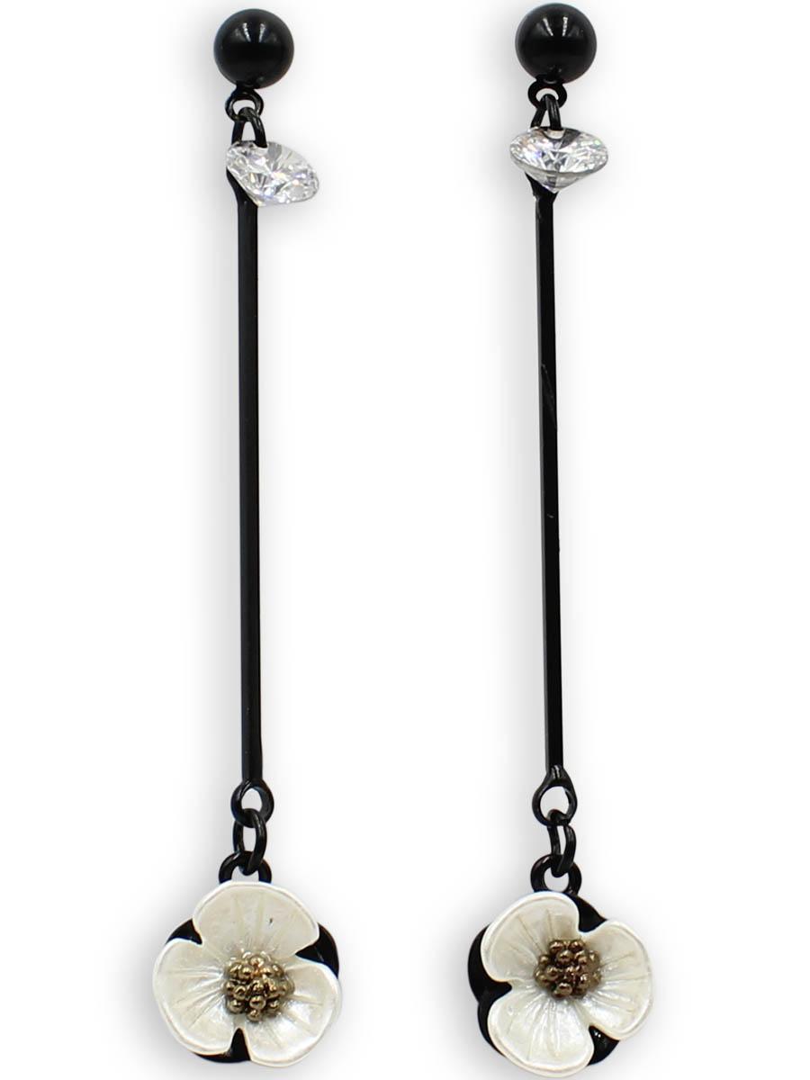 Серьги Taya, цвет: черный, перламутровый. T-B-12373T-B-12373-EARR-BK.PEARLСерьги-гвоздики с заглушкой металл-пластик изготовлены из бижутерного сплава. Столбик сережек украшен конусовидным кристаллом, цветок на тарелочке выполнен из натурального перламутра, он нежный и бархатный.