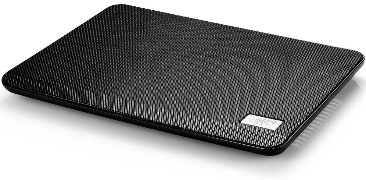 Deepcool N17, Black подставка для ноутбукаN17BLACKDeepcool N17 - подставка для ноутбука, предназначенная для отведения чрезмерного тепла и охлаждения во время работы. Система охлаждения значительно увеличивает ресурс работы компьютерной техники. Конструкция рассчитана под максимальную диагональ экрана до 14 дюймов. Для удобства пользования подставка имеет две складные ножки, что позволяет её установить в наиболее подходящее положение. Уровень шума: 21 дБ