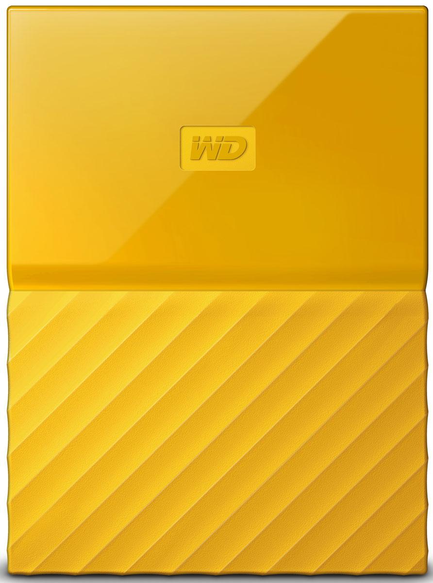 WD My Passport 1TB, Yellow внешний жесткий диск (WDBBEX0010BYL-EEUE)WDBBEX0010BYL-EEUEWD My Passport - это надежный портативный накопитель, который прекрасно подойдет для тех, кто не любит сидеть на месте. Он отлично ложится в руку, обладая при этом значительной емкостью, которой хватит для хранения большого количества фотографий, видео, музыки и документов. Благодаря безупречной работе с программным обеспечением WD Backup и защите паролем накопитель My Passport позволяет хранить свои файлы в безопасности. Накопитель My Passport поставляется с программой WD Backup, предназначенной для резервного копирования ваших фотографий, видео, музыки и документов. Вы можете настроить ее так, чтобы она запускалась автоматически по заданному вами расписанию. Просто выберите время и периодичность резервного копирования важных файлов в вашей системе на накопитель My Passport. Встроенное в накопитель My Passport аппаратное 256-разрядное шифрование AES и программа WD Security позволяют хранить материалы в безопасности и конфиденциальности. Просто...