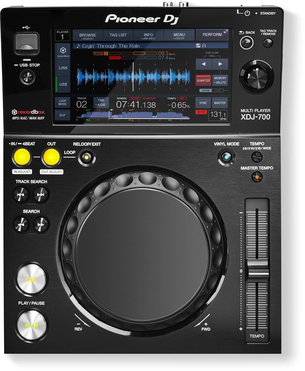 Pioneer XDJ-700 цифровой DJ проигрыватель среднего уровня375313Pioneer XDJ-700 - компактный, портативный и универсальный цифровой плеер с большим сенсорным экраном, Pro DJ Link и множеством других функций. Данная модель предлагает диджеям и клубам уникальный набор характеристик: компактный размер и съемная подставка делают его идеальным для использования в условиях ограниченного пространства или домашней студии. Это первый плеер в бюджетном ценовом диапазоне с поддержкой функции Pro DJ Link, которая дает возможность параллельного подключения до четырех плееров или компьютеров от одного источника. Треки можно загружать через USB или Wi-Fi, тем самым существенно расширяя возможности диджея. В плеере XDJ-700 реализованы основные функции XDJ-1000, например Hot Cues (горячие метки), Auto Loops (авто-петли), режим Slip и Beat Sync (синхронизация бита). Большой полноцветный сенсорный экран обеспечивает интуитивный доступ ко всем функциям плеера и позволяет осуществлять быстрый поиск треков с помощью QWERTY-клавиатуры. Если сет...