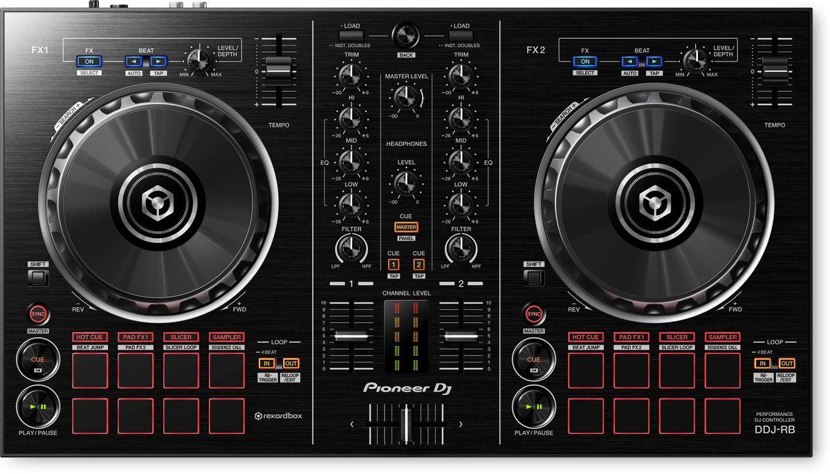 Pioneer DDJ-RB DJ контроллер для начинающих375289Контроллер начального уровня Pioneer DDJ-RB с питанием от USB - это все, что вам нужно для начала работы с программой Rekordbox dj. Размещение кнопок play/cue, джогов, индикаторов уровня сигнала и других органов управления соответствует оборудованию класса pro-DJ. Для запуска функций Hot Cues, Beat Jump, эффектов Pad FX и Slicer используются Performance пэды. Кроме того, у контроллера появилась специальная кнопка для новой функции Sequence Call (вызов секвенции). Pioneer DDJ-RB является первым контроллером, поддерживающим выход PC Master Out для воспроизведения сигнала с мастер-выхода через встроенные динамики компьютера или подсоединенные внешние акустические системы. При этом сам контроллер в этот момент продолжает работать с наушниками. Создание секвенций из семплов и вызов их без использования компьютера с помощью новой кнопки Sequence Call. Помимо этого, можно запускать Hot Cues (горячие точки запуска), эффекты Pad FX, Beat Jump и...