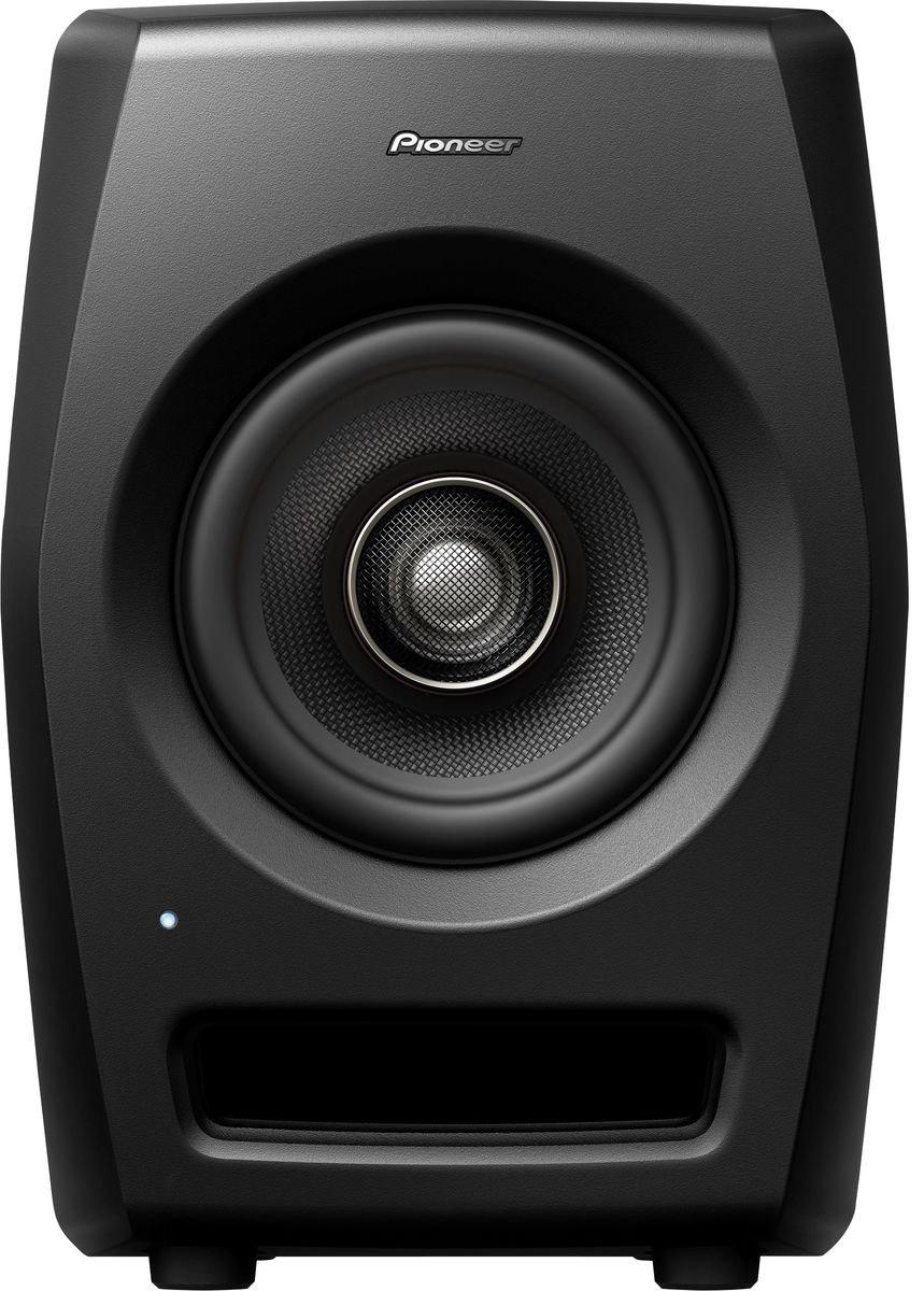 Pioneer RM-05 активная акустическая система для студии404605Pioneer RM-05 — референсная мониторная акустика для профессиональных студий. Сконструирована с использованием технологий профессионального звука и имеет нейтральное неокрашенное звучание при высоком звуковом давлении SPL и ясной читаемости во всем частотном диапазоне. Мониторы подойдут для работы в ближнем поле над задачами, требующими высокого разрешения. Ставка сделана на инновации в дизайне, коаксиальную конструкцию динамика и, как следствие, улучшенные акустические характеристики. Высокочастотный резонатор располагается по центру громкоговорителя, благодаря чему звук исходит из одной точки. Динамики из арамидового волокна уменьшают воздушные колебания, а полуторадюймовый высокочастотный резонатор предназначен для воссоздания экстремально высоких частот.