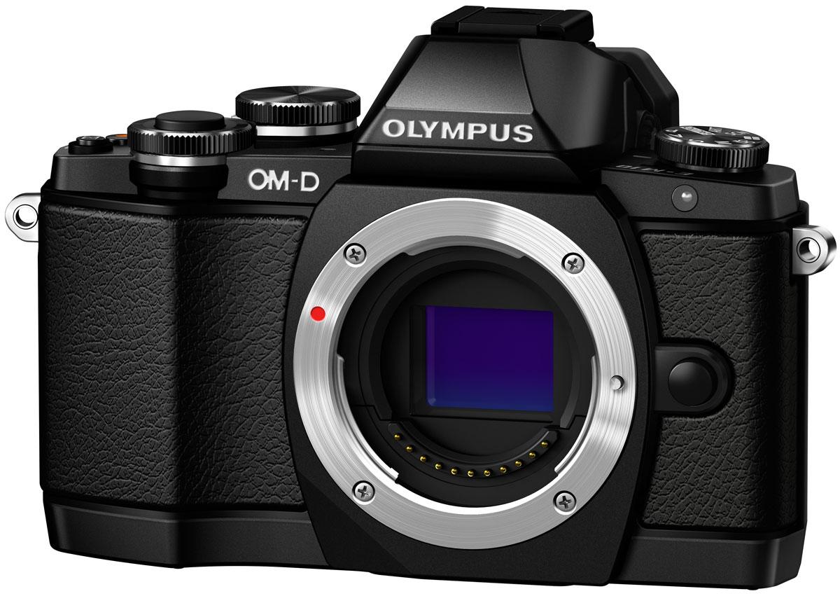 Olympus OM-D E-M10 Body, Black цифровая фотокамераV207020BE000Olympus OM-D E-M10 - тонкая, красивая, лёгкая системная камера, лучшая по соотношению цена/качество в своём классе. Беззеркальная камера системы Микро 4/3 укомплектована самыми последними технологиями: большим электронным видоискателем, высокоскоростным автофокусом, встроенным модулем Wi-Fi, а также встроенной вспышкой. E-M10 оставляет позади зеркальные камеры как по размеру, так и по качеству изображения! Е-М10 делает процесс фотографии простым. Камеру приятно держать в руках благодаря бескомпромиссному качеству сборки и эргономичности. Интуитивное управление, высокая скорость работы, электронный видоискатель (ЭВИ) высокого разрешения и ультраскоростной 81-точечный автофокус FAST AF предоставят вам полный контроль над съёмкой. Встроенный в камеру 3-осевой стабилизатор VCM обеспечит резкие изображения без смазов. Фотоаппарат награждён престижной премией Продукт года. Он гарантирует высочайшее качество снимков, скорость фокусировки E-M5 и...