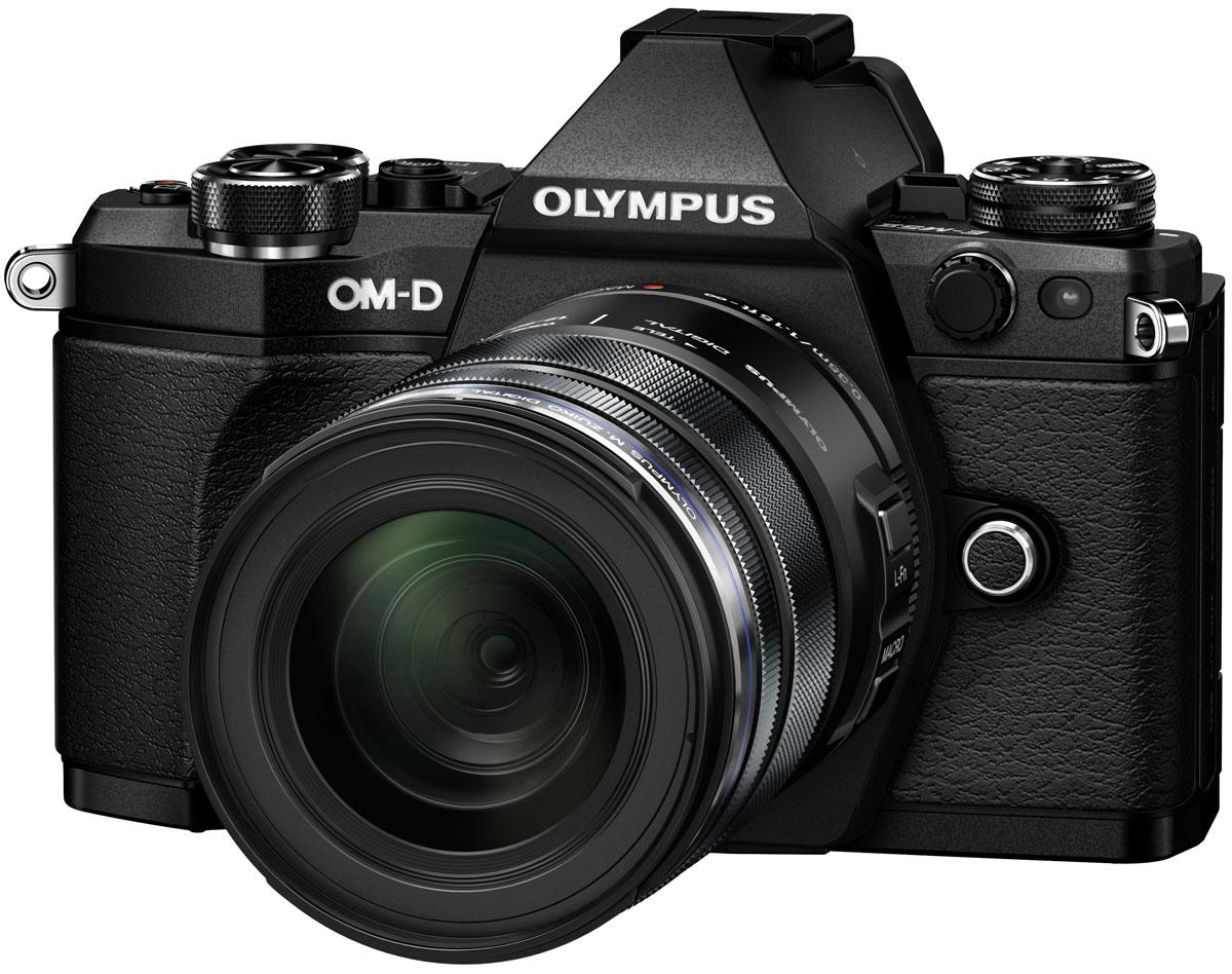 Olympus OM-D E-M5 Mark II Kit 12-50, Black цифровая фотокамераV207042BE000Камера Olympus OM-D E-M5 Mark II — это портативное защищенное устройство. Она не только легкая (вес около 417 г), но и обладает совершенной конструкцией. Благодаря защите от пыли/брызг/низких температур матушка природа не будет беспокоить вас во время съемки фото или видео. А компактный размер позволит вам быть в центре внимания, не выделяясь из толпы. Лучший в мире стабилизатор изображения (Стандарт CIPA на февраль 2015 г.) идеально подходит для съемки четких фотографий и видеороликов при недостаточном освещении и без штатива. Вперед, назад, вправо, влево. Куда бы не двигалась камера, встроенный 5-осевой стабилизатор предотвратит появление размытий. Он даже позволит получать четкую картинку в видоискателе для точного кадрирования. Избавьтесь от громоздких стабилизаторов, которые обычно используются при съемке видео с качеством фильма. Лучший в мире 5-осевой стабилизатор изображения камеры E-M5 Mark II — все, что нужно для съемки роликов. Теперь вы можете делать...