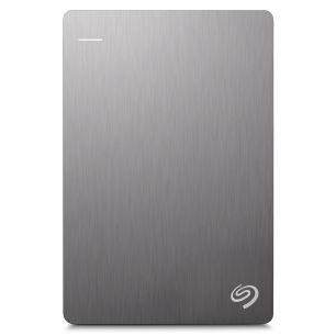 Seagate Backup Plus Portable Slim 1TB USB3.0, Silver (STDR1000201) внешний жесткий дискSTDR1000201Жизнь полна удивительных моментов, которые хочется запомнить навсегда. Портативный диск Backup Plus будет с вами везде, легко создавая резервные копии после подключения с автоматической настройкой. Поэтому ваши памятные моменты всегда будут защищены — независимо от того, где и что может случиться. Подумайте, сколько фотографий вы опубликовали на Facebook или Flickr. Теперь их можно легко загрузить прямо на диск Backup Plus, чтобы еще больше фрагментов вашей жизни были в безопасности и хорошем состоянии. Объем буфера: 16 Мб Пропускная способность интерфейса: 5 Гбит/с