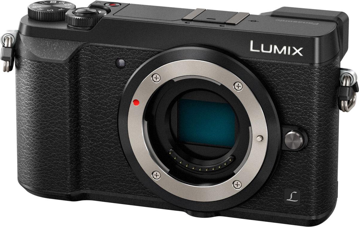 Panasonic Lumix DMC-GX80 Body, Black цифровая фотокамераDMC-GX80EE-KЦифровая беззеркальная гибридная камера Panasonic Lumix DMC-GX80 оснащена функцией записи 4К видео/фото и двойным 5-осевым стабилизатором изображения. 16-мегапиксельный сенсор Digital Live позволяет запечатлеть больше деталей и сделать снимки еще резче, что бы вы ни снимали, без необходимости использования низкочастотного фильтра. Камера идеально подходит для того, чтобы снимать жизнь на ходу, благодаря встроенному двойному 5-осевому стабилизатору изображения Dual I.S.. сочетающему в себе стабилизацию в корпусе камеры и объективе для достижения более качественной коррекции дрожания рук. Двойная 5-осевая стабилизация изображения работает как при фотосъемке. так и во время записи видео, включая съемку видео в разрешении 4К в теле и широкоугольном диапазоне. Это также становится вашим преимуществом в условиях низкой освещенности и позволяет создавать несмазанные кадры с выдержкой на 4 ступени длиннее обычного. GX80 оснащен...