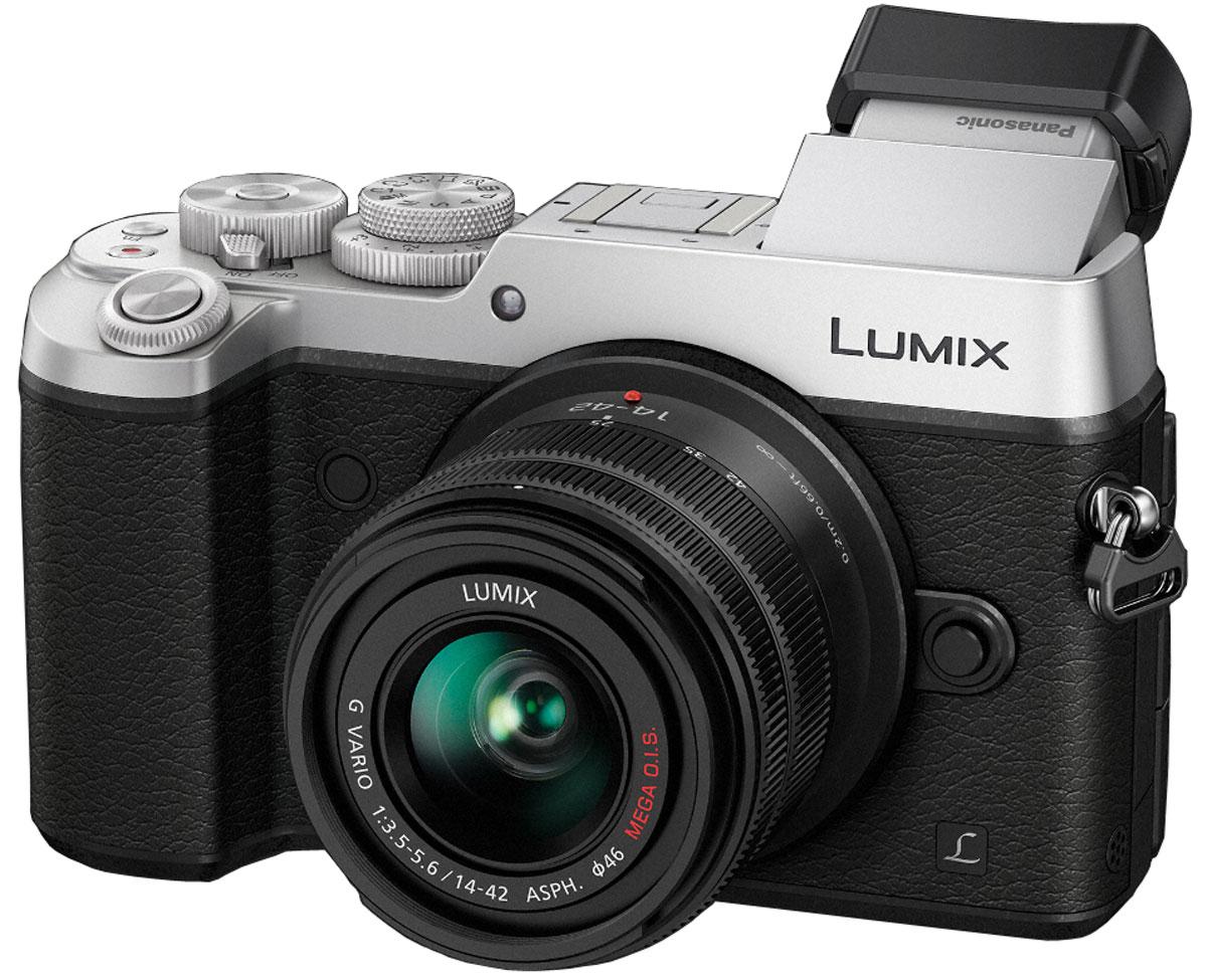 Panasonic Lumix DMC-GX8 Kit 14-42mm, Silver цифровая фотокамераDMC-GX8KEE-SКамера Panasonic Lumix DMC-GX8 оснащена 20,3-мегапиксельным сенсором, двойным стабилизатором изображения, функцией записи 4К видео и фото, что позволяет снимать объекты в наилучшем качестве. Тщательно разработанную конструкцию камеры оценят даже профессиональные фотографы. Модель оснащена двойным стабилизатором изображения Dual I.S. для еще более эффективной коррекции дрожания рук. Одновременная работа стабилизатора корпуса и объектива обеспечивает оптимальный эффект. Благодаря расширенному углу коррекции (до 3.5х) можно получать четкие снимки при съемке с рук даже в условиях низкой освещенности. Фотокамера оснащена новым 20.3-мегапиксельным сенсором Digital Live MOS, который обеспечивает наилучшее качество изображения в истории цифровых камер линейки LUMIX G. Благодаря сенсору достигается высокоскоростная серийная съемка, высокочувствительная запись вплоть до ISO 25 600 и более широкий динамический диапазон. Сочетание сенсора Digital Live MOS и процессора Venus...