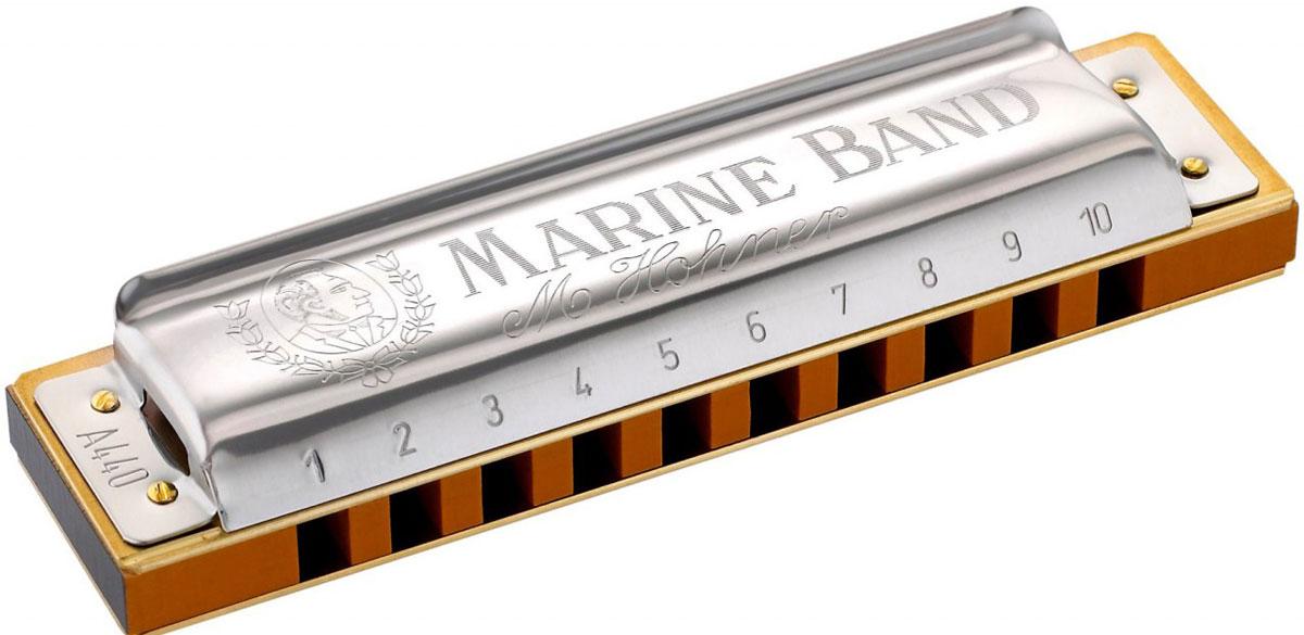 Hohner Marine Band 1896/20 F (M1896066X) губная гармошкаDNT-16497Hohner Marine Band Classic 1896/20 - это традиционная блюзовая гармошка, появившаяся больше века назад. Корпус, выполненный из груши, медные язычки, прикрепленные гвоздиками, никелированная накладка специальной формы и открытая стенка придают гармошке теплое, по-настоящему блюзовое звучание. Латунные платы крепятся большим количеством гвоздей, язычки оптимальны по габаритам - достаточно длинные и узкие, это придает им высокую чувствительность и подвижность, тембр с характерной хрипотцой. 20 язычков Количество отверстий: 10 Платы: медь (0,9 мм) Корпус: Дерево груша (pearwood) Тональность: F Длина: 10 см