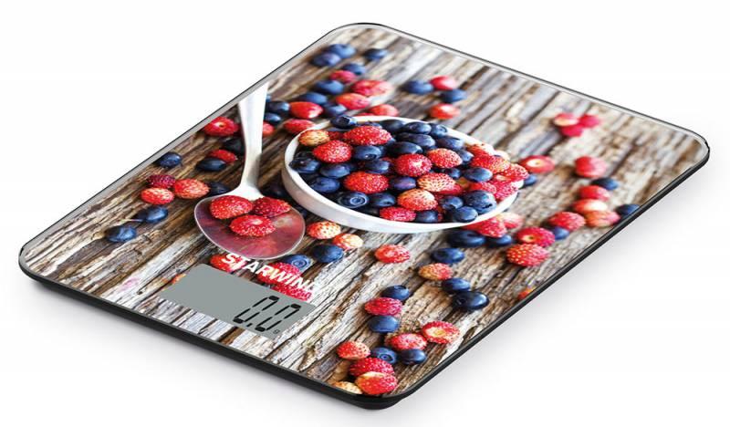 Starwind SSK3354, Brown Red Blue весы кухонныеSSK3354Кухонные электронные весы Starwind SSK3354 - незаменимый помощник современной хозяйки. Они помогут точно взвесить любые продукты и ингредиенты. Кроме того, позволят людям, соблюдающим диету, контролировать количество съедаемой пищи и размеры порций. Предназначены для взвешивания продуктов с точностью измерения 1 грамм.