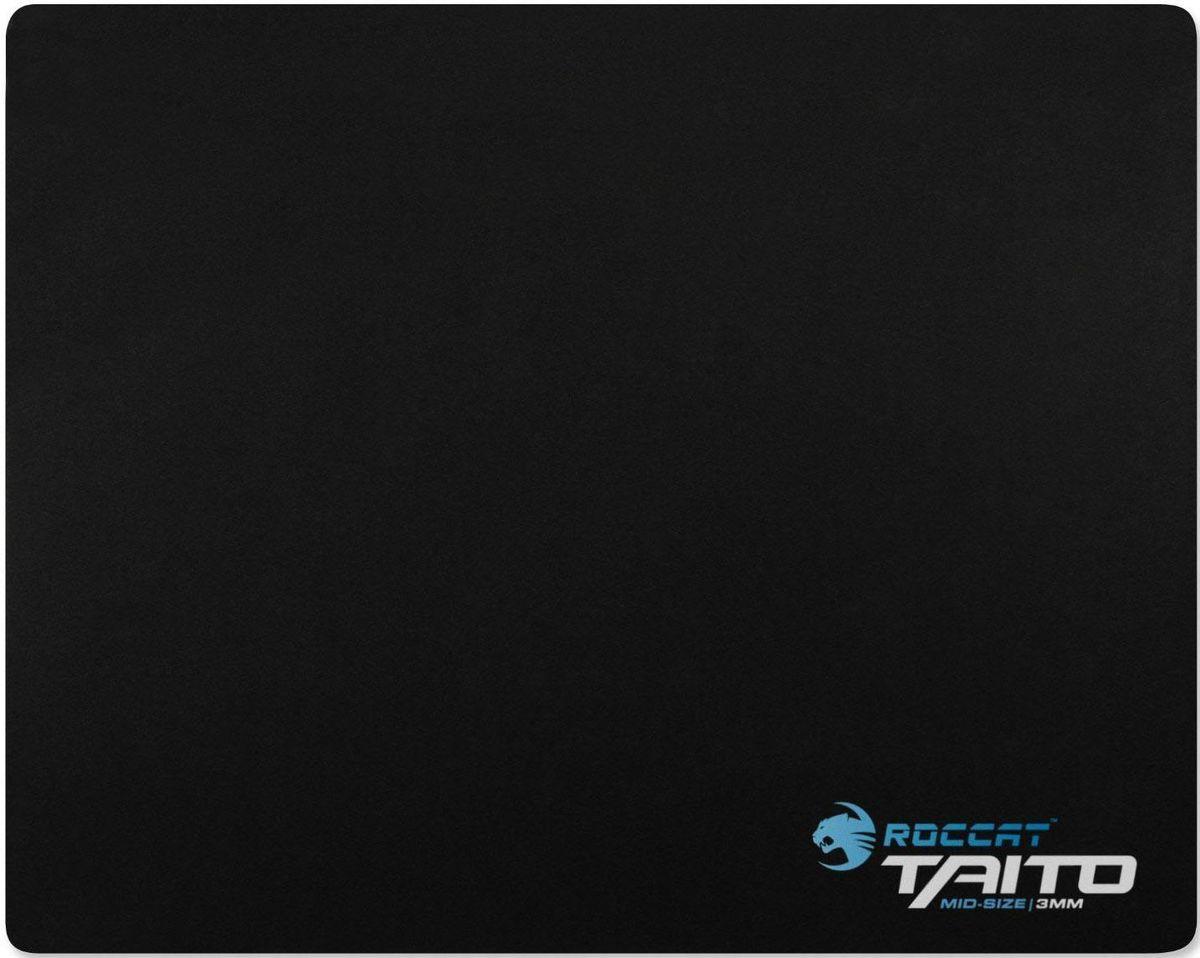 ROCCAT Taito Mid игровой коврик для мышиROC-13-056Обновленный Taito 2017 — тканевый коврик для мыши, не заставляющий жертвовать точностью или скоростью. Его резиновая подложка фирменного синего цвета ROCCAT гарантирует отличный хват и стильный вид. Уникальная поверхность Nano Matrix с термообработкой обеспечивает идеальное скольжение и точность прицела. Идеальная стабильность, никаких компромиссов. Новейшее поколение ковриков Taito обладает оптимальной толщиной 4 мм и выбором размеров: Mini, Mid, King и XXL-Wide. Учтены все игровые стили — от высокой до низкой чувствительности. Приготовьтесь войти в матрицу.