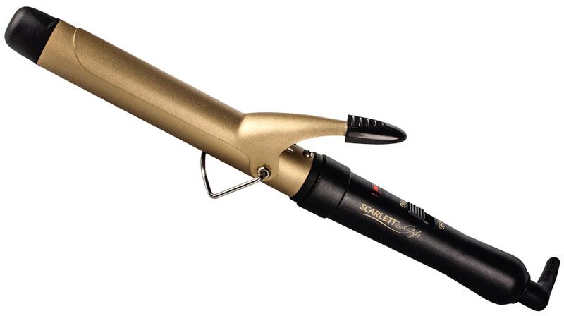 Scarlett SC-HS60597, Black щипцы для завивки волосSC-HS60597Щипцы для волос Scarlett SC-HS60597 просты и удобны в использовании благодаря термоизолированному кончику и световому LED индикатору. Рабочая поверхность щипцов выполнена с использованием керамического покрытия и позволяет создавать локоны щадящим и бережным способом. Отлично подходит для создания идеальных локонов. Необходимо взять прядь диаметром не больше диаметра щипцов. А если диаметр будет больше, то вы получите объемные волны.