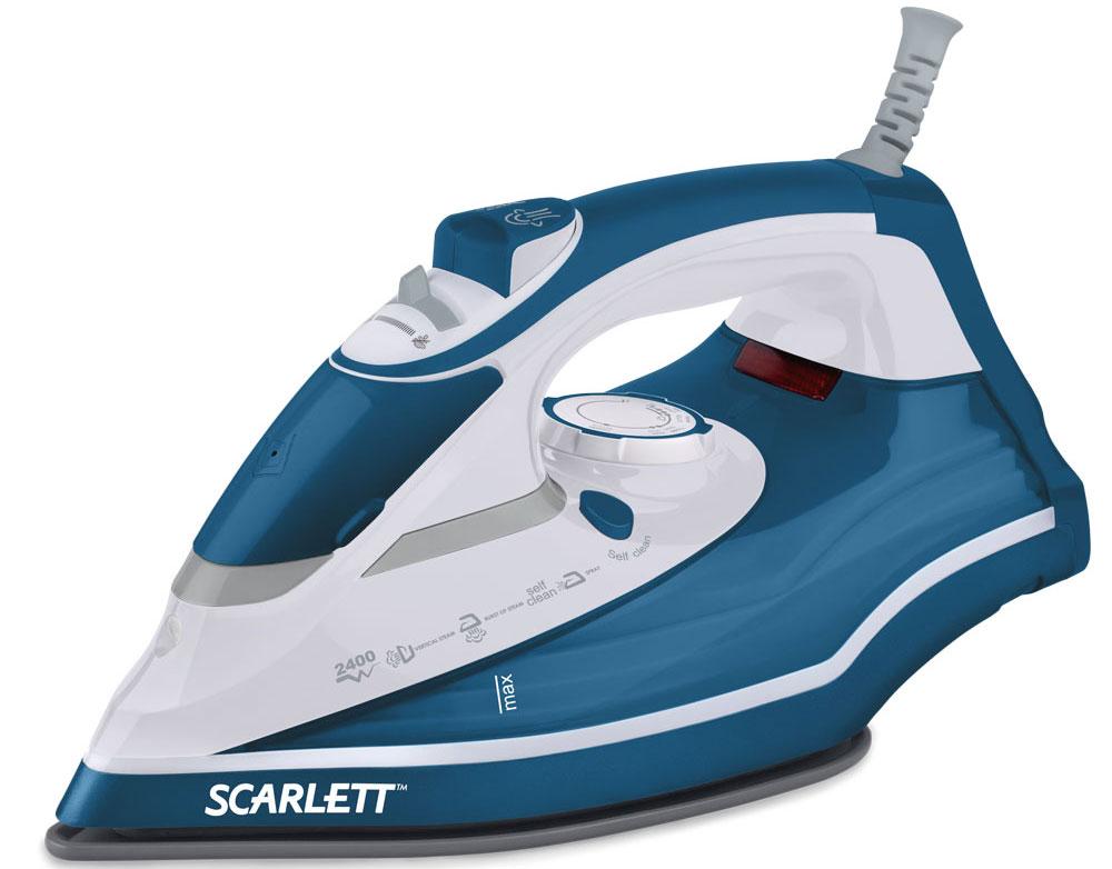 Scarlett SC-SI30K17, Blue утюгSC-SI30K17Утюг Scarlett SC-SI30K17 снабжён очень мощным нагревательным элементом, который достигает рабочей температуры уже через 30 секунд после включения. Он легко справляется с глажкой любых тканей за счёт применения функций разбрызгивания воды, вертикального отпаривания и парового удара. Высокопрочный материал, использующийся при изготовлении основания прибора, всегда сохраняет гладкость и легко скользит по любым материалам. Он не допускает случайного пригорания или разрыва белья. Функция самоочистки предотвращает заполнение внутренних капилляров накипью, способное стать причиной поломки утюга. Эргономичная рукоятка помогает надёжно удерживать утюг в руках при активной глажке, а шарнирное крепление предотвращает спутывание провода.