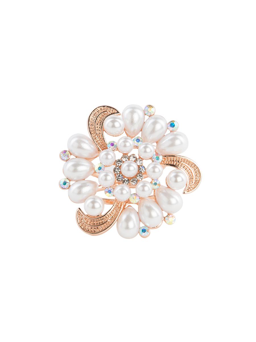 Кольцо для платка Charmante, цвет: золото. ZK016ZK016Оригинальное кольцо для платка Charmante выполнено из металла. Кольцо круглой формы декорировано стразами и жемчужными бусинами. Аксессуар с внутренней стороны дополнен кольцами-держателями. Стильное кольцо придаст вашему образу изюминку и подчеркнет индивидуальность.
