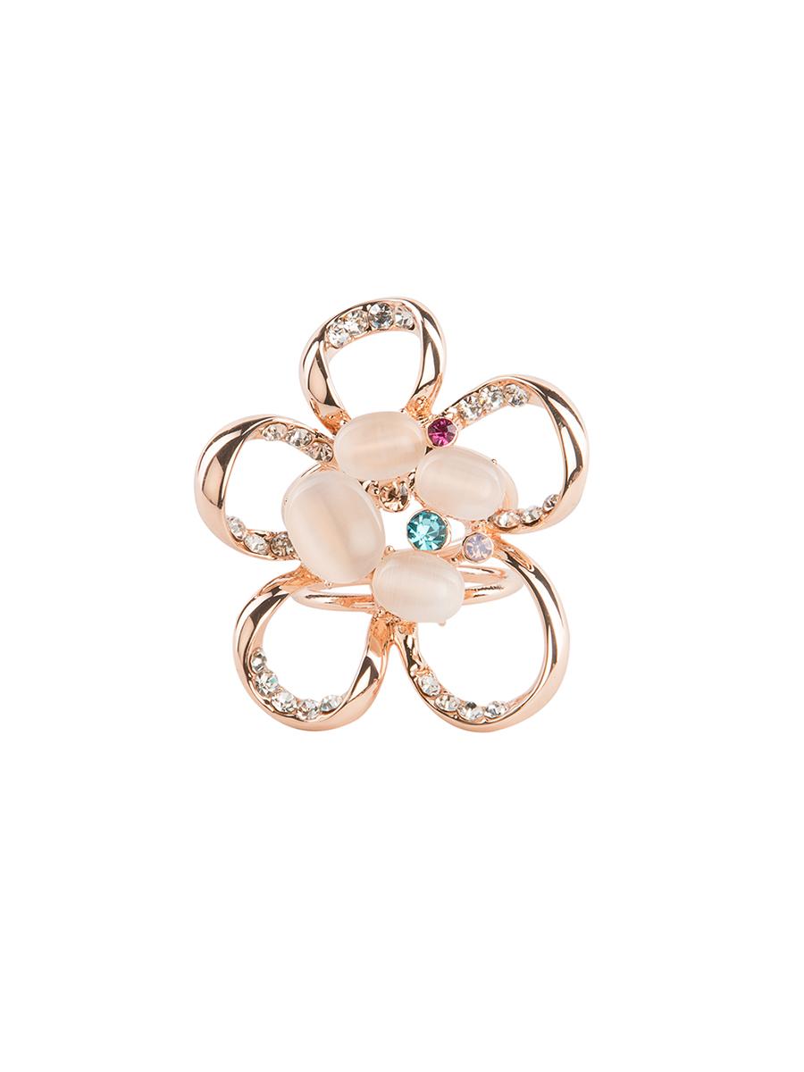 Кольцо для платка Charmante, цвет: золото. ZK029ZK029Оригинальное кольцо для платка Charmante выполнено из металла в виде цветка. Кольцо декорировано стразами и жемчужными бусинами. Аксессуар с внутренней стороны дополнен кольцами-держателями. Стильное кольцо придаст вашему образу изюминку и подчеркнет индивидуальность.