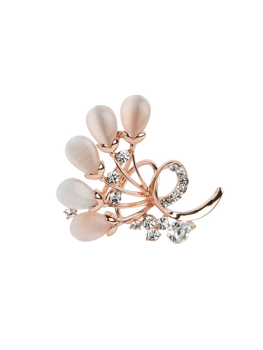 Кольцо для платка Charmante, цвет: золотой. ZK026ZK026Оригинальное кольцо для платка Charmante выполнено из металла в виде цветков. Кольцо декорировано блестящими стразами и жемчужными бусинами. Аксессуар с внутренней стороны дополнен кольцами-держателями. Стильное кольцо придаст вашему образу изюминку и подчеркнет индивидуальность.