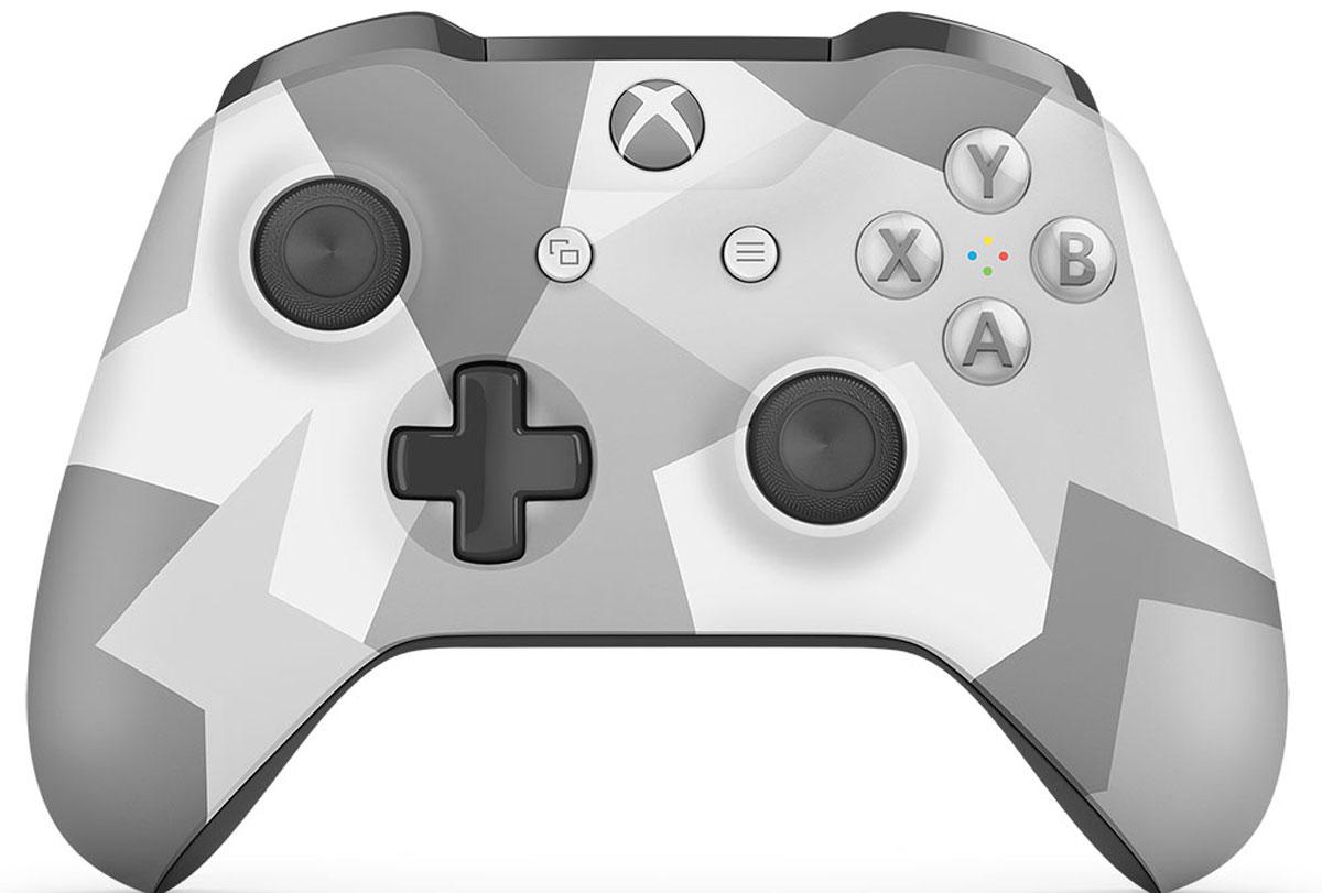Xbox One Winter Forces беспроводной геймпадWL3-00044Ощутите невероятное удобство управления с беспроводным геймпадом Xbox One Winter Forces. Импульсные триггеры обеспечивают вибрационную обратную связь, так что вы почувствуете малейшую тряску и столкновения с высочайшей точностью. Отзывчивые мини-джойстики и усовершенствованная крестовина повышают точность. А к 3,5 - мм стереогнезду можно напрямую подключить любую совместимую гарнитуру. Почувствуйте игру благодаря импульсным триггерам. Вибрационные электродвигатели в триггерах обеспечивают прецизионную обратную связь, передавая отдачу оружия, столкновения и тряску для достижения невиданного реализма в играх! Теперь геймпад оснащен 3,5-мм стереогнездом, к которому можно напрямую подключить любимую игровую гарнитуру. Поддерживается беспроводное обновление прошивки, благодаря чему для обновления не требуется подключать геймпад с помощью кабеля USB. Точность Крестовина отлично реагирует как на касания, так и на нажатия навигационных...