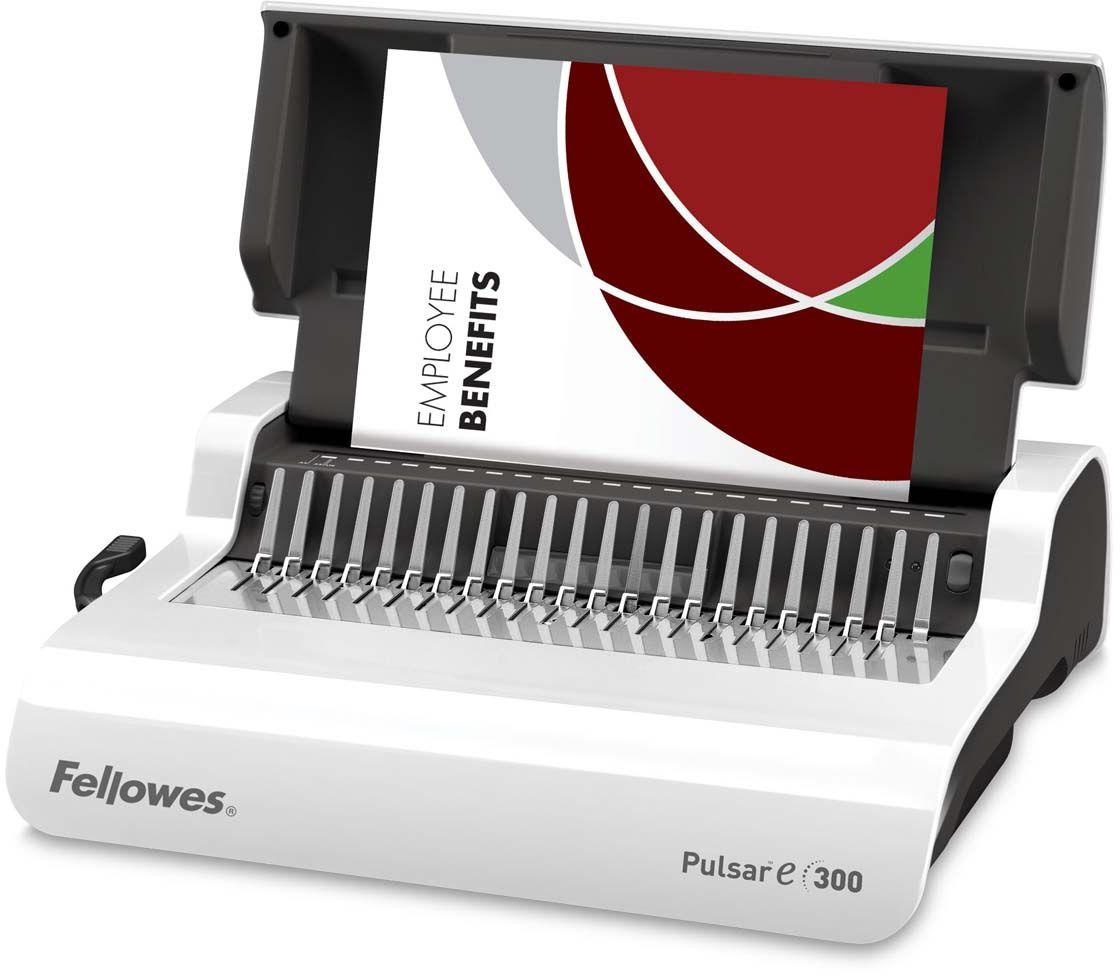 Fellowes Pulsar-E переплетчикFS-56207Pulsar-E 300 – удобный электрический переплетчик на пластиковую пружину. Предназначен для нерегулярного использования в малом или среднем офисе. Основные характеристики: Кол-во сшиваемых листов: 300 шт. Кол-во пробиваемых листов: 15 шт. Диапазон диаметра пружины: 6-38 мм. Гарантия: 2 года. Брошюровщик оснащен технологиями, которые ускорят и упростят переплет документов: Мощный электропривод для пробития отверстий: Брошюровка будет проходить быстрее и не потребует никаких усилий при перфорации Автоматические створки лотка для отходов: При переполнении лотка для отходов створка лотка автоматически открывается, что сигнализирует о необходимости его опустошения. Эргономичное расположение зубцов: В переплетчиках на пластиковую пружину зубцы располагаются под углом 15?, что облегчает работу над созданием брошюры. Селектор формата: Точное выравнивание листов различных форматов по краю. Селектор диаметра пружин и толщины документа: Простой подбор пружины по толщине документа. ...