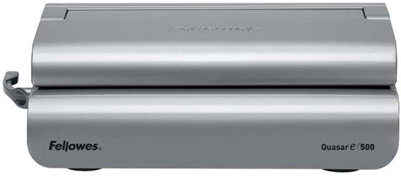 Fellowes Quasar-E переплетчикFS-56209Quasar-E 500 – надежный электрический переплетчик на пластиковую пружину. Предназначен для частого использования в среднем офисе. Основные характеристики: Кол-во сшиваемых листов: 500 шт. Кол-во пробиваемых листов: 20 шт. Диапазон диаметра пружины: 6-51 мм. Гарантия: 2 года. Брошюровщик оснащен технологиями, которые ускорят и упростят переплет документов: Мощный электропривод для пробития отверстий: Брошюровка будет проходить быстрее и не потребует никаких усилий при перфорации Автоматические створки лотка для отходов: При переполнении лотка для отходов створка лотка автоматически открывается, что сигнализирует о необходимости его опустошения. Эргономичное расположение зубцов: В переплетчиках на пластиковую пружину зубцы располагаются под углом 15?, что облегчает работу над созданием брошюры. Селектор формата: Точное выравнивание листов различных форматов по краю. Селектор диаметра пружин и толщины документа: Простой подбор пружины по толщине документа. Вертикальная загрузка...