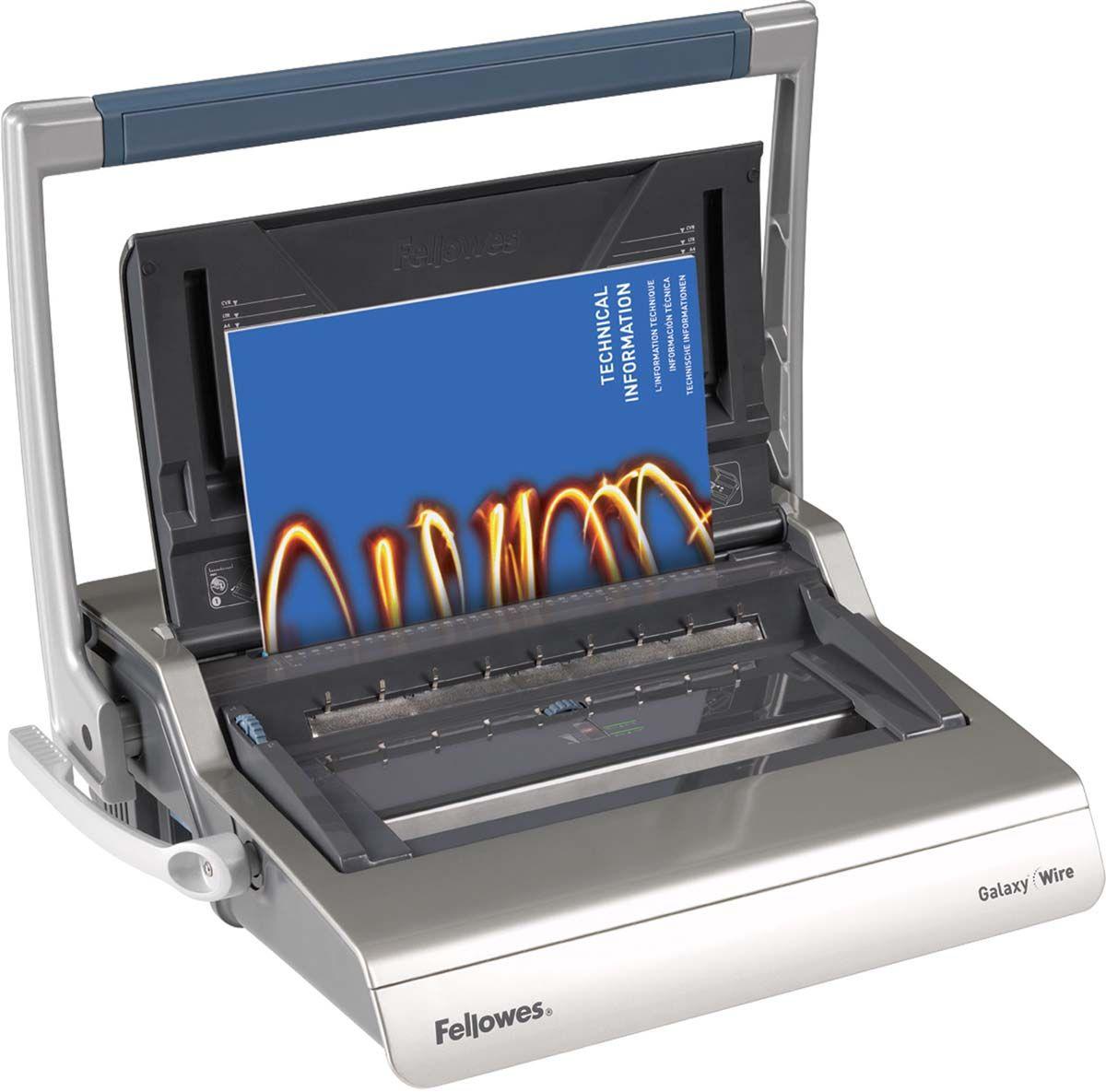 Fellowes Galaxy Wire переплетчикFS-56224Galaxy Wire – высокотехнологичный переплетчик на металлическую пружину. Предназначен для интенсивного использования в большом офисе. Основные характеристики: Кол-во сшиваемых листов: 130 шт. Кол-во пробиваемых листов: 20 шт. Диапазон диаметра пружины: 6-14 мм. Гарантия: 2 года. Брошюровщик оснащен технологиями, которые ускорят и упростят переплет документов: Широкая ручка для перфорации: Удобна в работе как для правшей, так и для левшей. Равномерно распределяет усилия на ножи. Автоматические створки лотка для отходов: При переполнении лотка для отходов створка лотка автоматически открывается, что сигнализирует о необходимости его опустошения. Регулировка закрытия пружины. Обеспечивает контроль за степенью сжатия металлической пружины. Селектор формата: Точное выравнивание листов различных форматов по краю. Селектор диаметра пружин и толщины документа: Простой подбор пружины по толщине документа. Лоток для обложек и пружин. Выдвигаемое хранилище с запатентованным селектором...