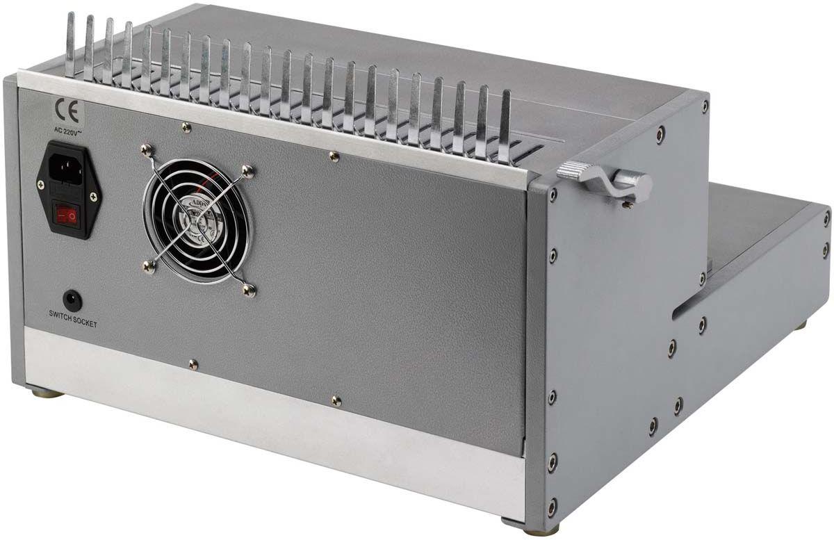 Fellowes Orion-E переплетчикFS-56427Orion-E 500 – профессиональный электрический переплетчик на пластиковую пружину. Переплетчик выполнен в прочном металлическом корпусе и предназначен для интенсивного использования в большом офисе. Основные характеристики: Кол-во сшиваемых листов: 500 шт. Кол-во пробиваемых листов: 30 шт. Диапазон диаметра пружины: 6-51 мм. Гарантия: 1 год. Брошюровщик оснащен технологиями, которые ускорят и упростят переплет документов: Мощный электропривод для пробития отверстий: Брошюровка будет проходить быстрее и не потребует никаких усилий при перфорации Отключаемые пуансоны (21 шт.): Возможность создавать брошюры различных форматов. Селектор формата: Точное выравнивание листов различных форматов по краю. Изменение глубины перфорации (5 позиций) : Увеличивает срок службы брошюр толщиной более 150 листов. Цельнометаллический рычаг для раскрытия пружины. Ножная педаль для простоты работы.