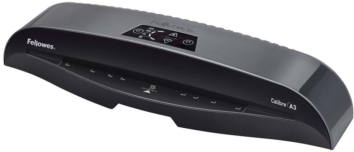 Fellowes Calibre A3 ламинаторFS-57401Fellowes Calibre A3 для использования в малом офисе. Calibre заменяет модель Callisto, которая будет снята с производства. Благодаря технологии InstaHeat ламинатор Calibre нагревается всего за 60 секунд. Новый ламинатор готов к работе в 5 раз быстрее, чем его предшественник. Применение технологии HotSwap позволяет мгновенно переключаться между температурными режимами без ожидания нагрева или охлаждения. Скорость ламинирования выставляется автоматически и составляет до 50 см/мин. InstaHeat быстрый старт за 60 секунд Heat Guard запатентованная технология безопасности, уменьшает температуру корпуса на 50% и гарантирует полную безопасность пользователя при прикосновении. Auto Shut OFF Автоматическое отключение ламинатора после простоя. Hot swap Позволяет ламинировать с разной по толщине пленкой без ожидания охлаждения или нагрева аппарата. Jam Free механизм ClearPath обеспечивает 100% работу без заторов и зажевывания документов при использовании расходных материалов Fellowes.