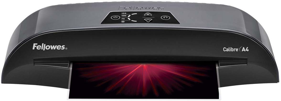 Fellowes Calibre A4 ламинаторFS-57407Fellowes Calibre A4 для использования в малом офисе. Calibre заменяет модель Callisto, которая будет снята с производства. Благодаря технологии InstaHeat ламинатор Calibre нагревается всего за 60 секунд. Новый ламинатор готов к работе в 5 раз быстрее, чем его предшественник. Применение технологии HotSwap позволяет мгновенно переключаться между температурными режимами без ожидания нагрева или охлаждения. Скорость ламинирования выставляется автоматически и составляет до 50 см/мин. Диапазон плёнок 75 – 125 мкм Автоматическая регулировка скорости ламинирования, до 50 см /мин Время нагрева - 1 мин Гарантия 2 года Технологии: InstaHeat быстрый старт за 60 секунд! Heat Guard запатентованная технология безопасности, уменьшает температуру корпуса на 50% и гарантирует полную безопасность пользователя при прикосновении. Auto Shut OFF Автоматическое отключение ламинатора после простоя. Hot swap Позволяет ламинировать с разной по толщине пленкой без ожидания охлаждения или нагрева...