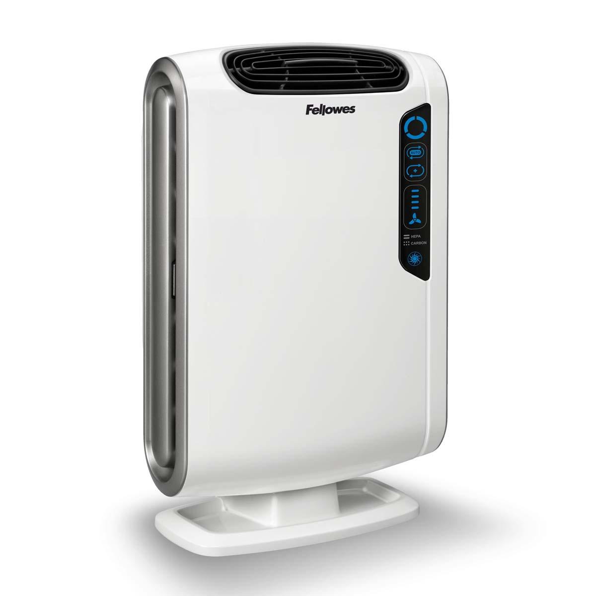 Fellowes Aeramax DX55 воздухоочистительFS-93935Воздухоочиститель Fellowes AeraMax DX55 предназначен для эффективной очистки воздуха в помещении площадью до 18 м2 Воздух проходит 4 степени очистки, что позволяет значительно улучшить качество воздуха внутри помещений, удалив 99.97% загрязняющих частиц. Угольный фильтр удаляет запахи, химические загрязнения и крупные частицы, переносимые по воздуху. True HEPA фильтр задерживает 99.97% частиц размером от 0.3 микрон, включая споры плесени, пыльцу растений, пылевых клещей, большинство бактерий, аллергенов и сигаретный дым. Антибактериальная обработка AeraSafe™– встроенная защита от роста бактерий, вызывающих неприятный запах, плесени и грибков на фильтре True HEPA. Технология PlasmaTRUE™ безопасно удаляет содержащиеся в воздухе загрязняющие вещества, мгновенно нейтрализуя вирусы и микробы. Воздухоочиститель прост в работе и обладает удобным пользовательским интерфейсом. В режиме работы АВТО, датчики оценивают изменения качества воздуха в помещении, на основании чего...