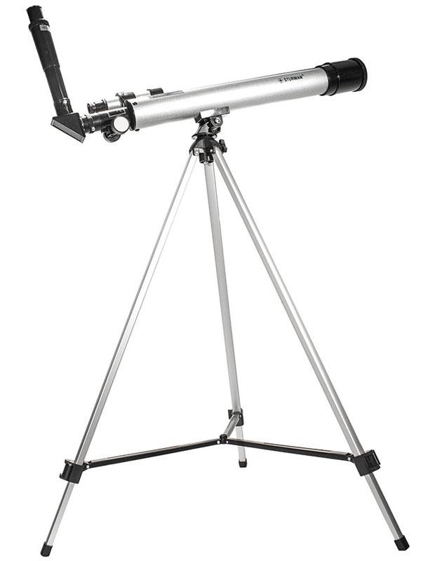 Sturman F60050М телескоп2710Sturman F60050M - телескоп, построенный по оптической схеме ахроматический рефрактор. Фокусное расстояние 600 мм и диаметр объектива 50 мм делают эту модель телескопа прекрасным инструментом для любительских наблюдений за миром звезд и планет. Хорошая комплектация и удобное управление механикой монтировки позволят любителям астрономии окунуться в удивительный мир наблюдений сразу после сборки. Имеющаяся в комплекте поставки оборачивающая линза, предоставляющая пользователям правильно ориентированное изображение, позволит использовать данную модель телескопа в качестве мощной подзорной трубы с диапазоном увеличений от 30 до 150 крат. Телескоп прекрасно подходит для наблюдений за планетами Солнечной системы, с его помощью вам станут доступны такие объекты как: кратеры на Луне, большое пятно неутихающего урагана на гиганте Юпитере, знаменитая щель Кассини в системе колец Сатурна. Кроме того, вы сможете увидеть и многие тысячи объектов дальнего космоса, а именно,...