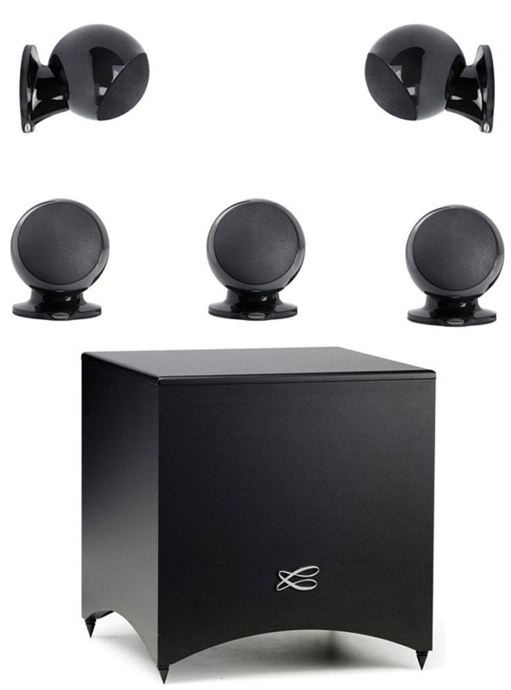 Cabasse Alcyone 2 System 5.1, Black акустическая система для домашнего кинотеатраCABASSE ALCYONE 2 SYSTEM 5.1 (GLOSSY BLACK)Комплект акустики для домашнего кинотеатра Cabasse Alcyone 2 5.1 включает в себя активный сабвуфер, пять сателлитов Alcyone 2 и набор соединительных кабелей. В основе этой аудиосистемы - принцип абсолютной точности систем SCS (Cabasse Spatially Coherent System), заимствованный у акустики hi-end класса ARTIS, благодаря которому Cabasse Alcyone 2 5.1 способна показать свои возможности и дать слушателю эмоционально наполненное восприятие звука. Сателлиты Alcyone 2 обладают высокой эффективностью и мощностью, равномерным распределением звукового поля, а главное, особым звучанием, способным донести все эмоции при прослушивании концерта или просмотре любимого фильма. Магнитное экранирование позволяет устанавливать Alcyone 2 в непосредственной близи от вашего телевизора. Спикеры могут быть размещены на полке, на стене или на опциональных напольных стендах. Магнитное основание Alcyone 2 облегчает их размещение. Сабвуфер Cabasse Santorin оснащен динамиком 170...