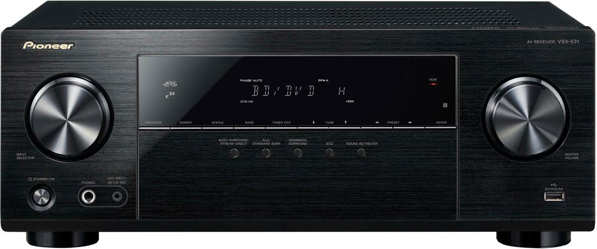 Pioneer VSX-531-B AV-ресиверVSX-531-BPioneer VSX-531-B - 5.1-канальный ресивер с мощностью 5x130 Вт, 4 HDMI-входами и поддержкой протокола HDCP 2.2. AV ресивер имеет четыре HDMI-входа, которые передают на телевизор или проектор видеоматериал в формате UltraHD. Разумеется, посредством HDMI высокое разрешение может иметь и звук: VSX-531 декодирует в том числе многоканальные HD-форматы Dolby и dts и благодаря собственной системе автоматической акустической калибровки MCACC компании Pioneer осуществляет точную калибровку звука в соответствии с индивидуальной акустикой ваших помещений. Если вы вместо просмотра фильма предпочитаете насладиться музыкой, то для этого вы, наряду с привычными плеерами, подключаемыми к аналоговому или цифровому входу, можете просто воспользоваться своим смартфоном или планшетом: просто запустите свое любимое музыкальное приложение и осуществите беспроводное соединение устройства с интегрированным Bluetooth-входом VSX-531. USB-разъем на передней панели при...