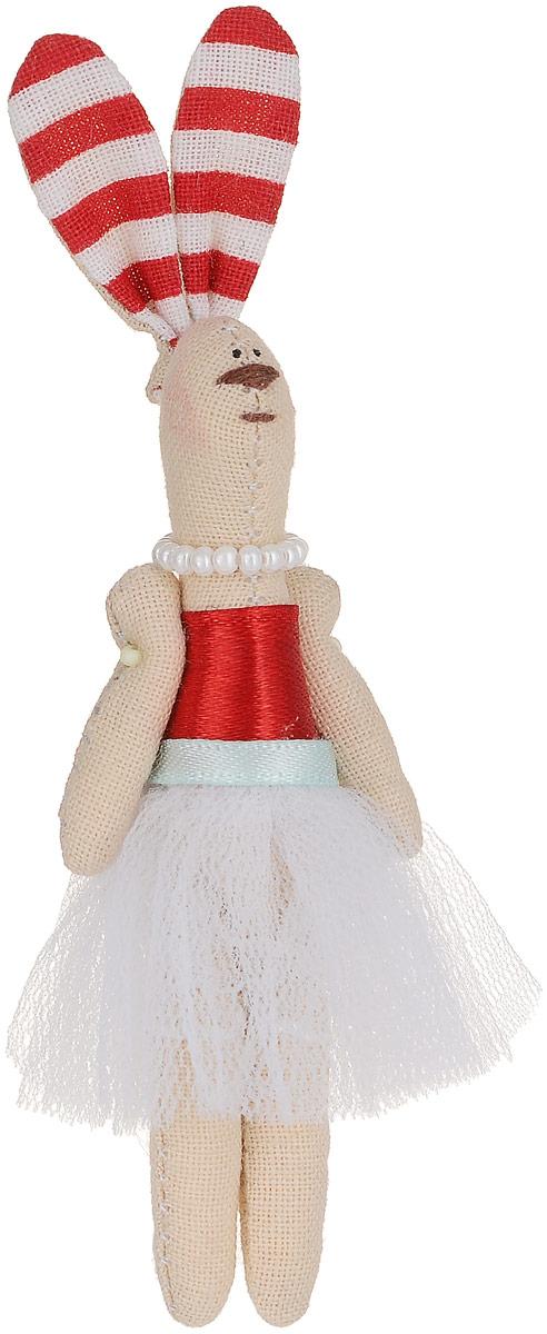 Брошь Зая-принцесса в белой юбке, 8 х 3 см. Ручная работа. Автор Леся КелбаВАН_KELBA_31Оригинальная брошь Зая-принцесса изготовлена из качественного текстиля. Брошь выполнена в виде фигурки симпатичного животного с подвижными лапками и длинными ушками. Фигурка одета в платье с пышной юбкой и бусы. Товары KELBA создается вручную и с хорошим настроением, чтобы вам принести позитив и удовольствие. Тип крепления - булавка с застежкой. Брошь можно носить на одежде, шляпе, рюкзаке или сумке. Ручная работа. Автор Леся Келба. Просим обратить ваше внимание на то, что работа, выполненная на заказ, может незначительно отличаться от представленной на фото, так как это авторская работа.