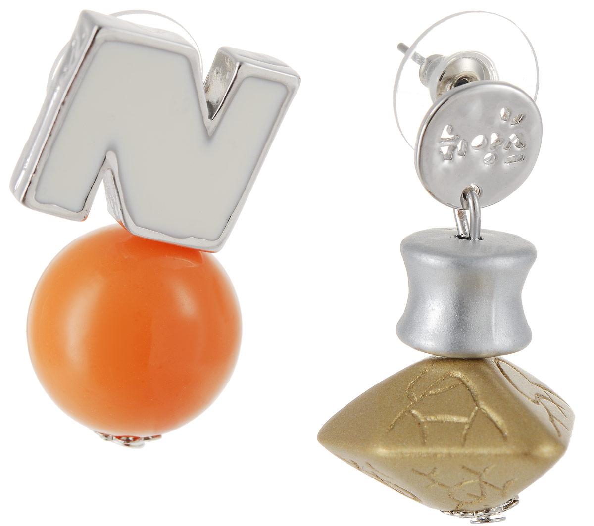Серьги Art-Silver, цвет: серебряный, оранжевый. СРГО44-332СРГО44-332Стильные серьги Art-Silver выполнены из бижутерного сплава. Две серьги оформлены разными декоративными украшениями. Серьги выполнены с замками-гвоздиками. Такие серьги будут ярким дополнением вашего образа.
