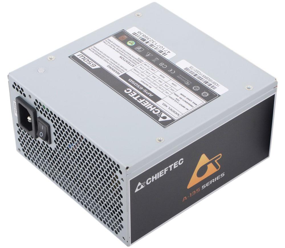 Chieftec APS-650SB блок питания для компьютера4710713239838Блок питания Chieftec APS-650SB выполнен в стандартном форм-факторе ATX, который определяет габариты устройства. Удачная организация кабелей и ценность сертификата 80 PLUS Bronze делает серию блоков питания A-135 выдающейся. Высококачественные комплектующие уже сегодня поддерживают новое поколение процессоров Intel при минимальной нагрузке > 0.05A. Тихая и комфортная рабочая атмосфера создаётся с помощью 140 мм вентилятора. Хорошо продуманный дизайн данной модели включает в себя активную систему охлаждения, которая является действительно эффективной. Она выполнена в форме вентилятора, а ее размер равен показателю в 140 x 140 мм.