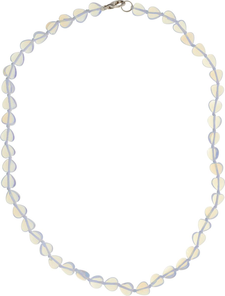 Бусы Револю Сердечки, цвет: голубой. П7655П7655Размер камня: 8 х 8 мм. Удивительный лунный камень действительно кажется сотканным только из света - он так маняще блестит и переливается! Его невесомое сияние придаёт вашему облику особенную утончённость и таинственность! Чудесные украшения из великолепного лунного камня - это секрет вашего обаяния, загадка вашей красоты!