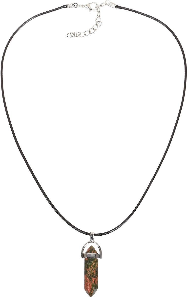 Кулон Револю Кристалл, цвет: зеленый. пд-кам2610пд-кам2610Кулон в комплекте со шнурком. Длина шнурка 45 см и удлиняющая цепочка 4 см. Нарядный унакит - это разновидность гранита, одна из самых очаровательных! Унакиту свойственны пятна трёх цветов: зелёного, розового и серого, поэтому каждый кабошон, каждая бусина унакита напоминает миниатюру цветущего розового сада! Окутайтесь цветением летних садов - примерьте эту милую вещицу из нарядного унакита!