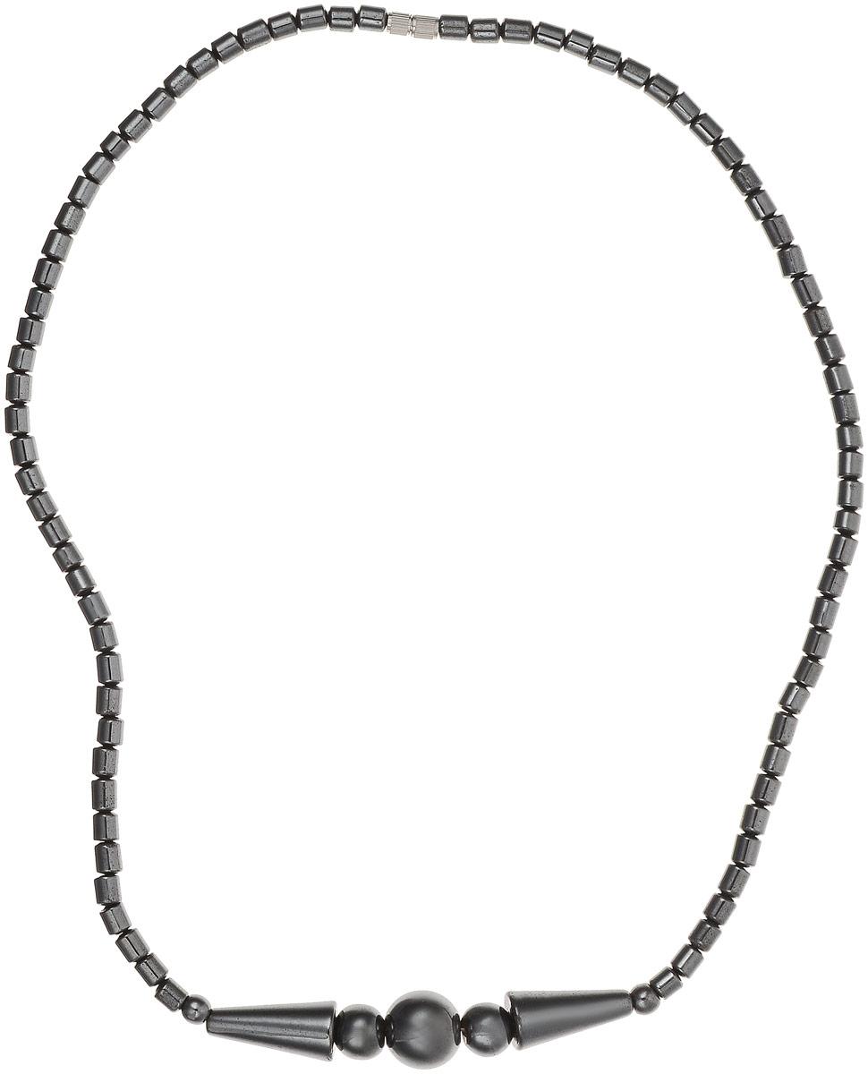 Колье Револю Моника, цвет: черный. П2214П2214Колье из натурального гематита. С древних времен бытует мнение, что гематит очищает кровь, укрепляет кровоочищающие органы — почки, печень и селезенку. Его рекомендуют носить над органами, в которых происходит слабое кровообращение. В древности этот камень ценился как сильнейший магический амулет. Считалось, что гематит защищает от темных сил, врагов. Гематит способен придавать своему владельцу мужество и отвагу, он является оберегом мужчин. Можно использовать гематит в качестве талисмана, так как он помогает в профессиональном обучении