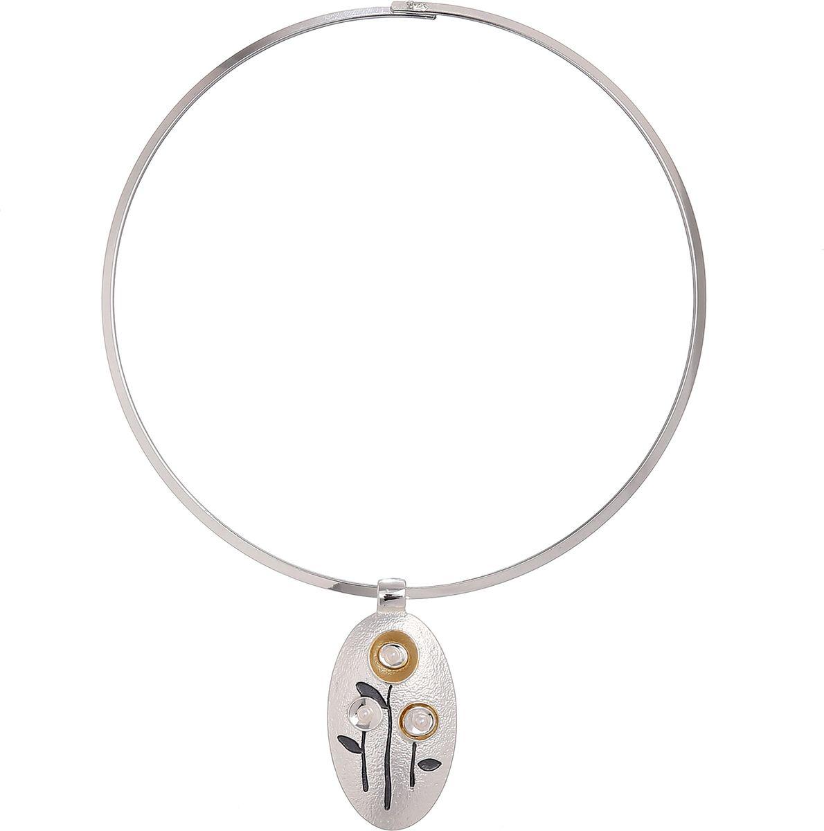 Колье Модные истории, цвет: серебристый. 12/105012/1050Чокер из бижутерного сплава с гальваническим покрытием из серебра, изящная овальная подвеска подвеска с цветами