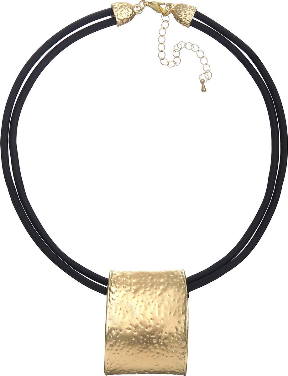 Колье Модные истории, цвет: черный. 12/103512/1035Чокер на двойном каучуковом шнуре, подвеска в виде прямоугольника с гальваническим покрытием из матового золота, Застежка - карабин. Удлинитель - 7,5см.