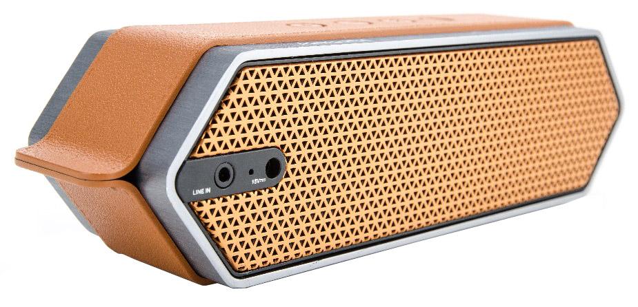 DreamWave Harmony портативная Bluetooth-колонка15119099DreamWave Harmony – это элегантная колонка премиум-класса, которая способна передавать музыку так, как это задумывал исполнитель. Модель обладает выходной мощностью в 16 Вт, оборудована встроенным аккумулятором ёмкостью 4500 мАч, что позволяет ей играть громче и дольше в сравнении с конкурентами. Благодаря сочетанию передовых технологий и тончайших настроек звука, Harmony в состоянии передать музыку во всей полноте, сохраняя её первозданную глубину и ясность. Благодаря функции гарнитуры вы сможете отвечать на входящие вызовы, на время разговора музыка будет останавливаться, а по окончании разговора снова вернётся к воспроизведению. В комплектации с колонкой поставляется мягкий бархатный чехол-сумка для удобной транспортировки, что позволяет брать её везде с собой и наслаждаться музыкой дома, в офисе, в машине или во время тренировок. Harmony украшена декоративной полосой, стилизованной под кожу, сетка динамиков выполнена в стиле медовых сот, а звук исходит с обеих сторон колонки. ...
