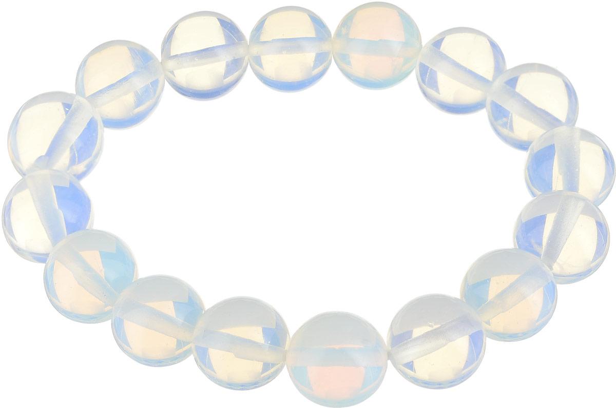 Браслет Револю Классика 12, цвет: голубой. бНЛК-1(12)-1бНЛК-1(12)-1Браслет Револю Классика 12 изготовлен из великолепного лунного камня в голубых тонах. Изделие состоит из круглых ограненных камней, соединенных на эластичной резинке. Загадочный лунный камень действительно кажется созданным только из света - он так маняще блестит и переливается! Его нереальное сияние придаёт вашему образу особенную утончённость и изящество! Чудесные украшения из бесподобного лунного камня - это секрет вашего очарования, тайна вашей красоты!