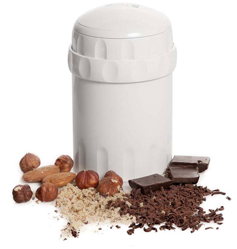Status 150022, White измельчитель ручной150022Status 150022 подходит для ручного измельчения орехов, шоколада, сыра, сухарей. Две камеры позволяют одновременно измельчать и смешивать продукты, например, шоколад и орехи. Используйте крышку, чтобы закрыть измельчитель снизу, и орехи смогут храниться внутри измельчителя несколько дней. Можно мыть в посудомоечной машине.