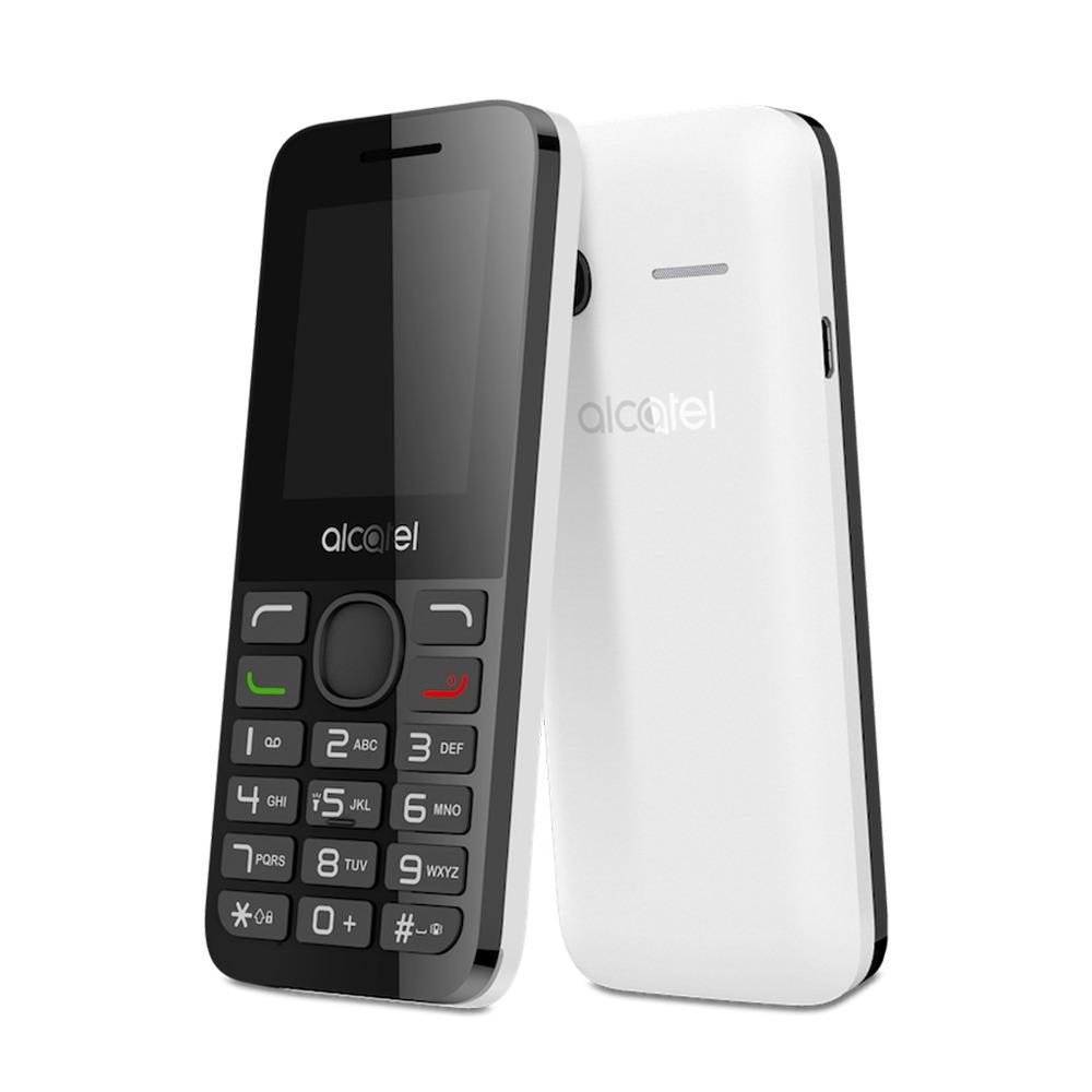 Alcatel 1054D, Pure White1054D-3BALRU1Alcatel OT-1054D поддерживает работу с двумя SIM-картами в режиме ожидания, за счет чего он может использоваться в качестве личного и рабочего одновременно. Кроме того, наличие двух карт позволяет эффективно управлять тарифами различных мобильных операторов, уменьшая уровень расходов. Дисплей телефона с диагональю 1,8 дюйма создан с применением технологии TFT. Благодаря этому картинка на нем всегда выглядит яркой и контрастной. Данная модель может воспроизводить файлы в формате MP3. Встроенный фонарик пригодится людям, которые часто ходят пешком в темноте, а также туристам. Телефон сертифицирован EAC и имеет русифицированную клавиатуру, меню и Руководство пользователя.