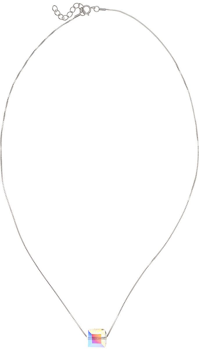Кулон женский Vera Victoria Vito, цвет: серебряный. YC0101YC0101Ультрасовременный геометрический кулон с кристаллом Swarovski в виде куба выгодно подчеркнет индивидуальность и женственность. Цепочка выполнена из серебра. Застегивается на шпренгельный замок. Великолепный кулон в минималистическом дизайне украсит Ваш образ.
