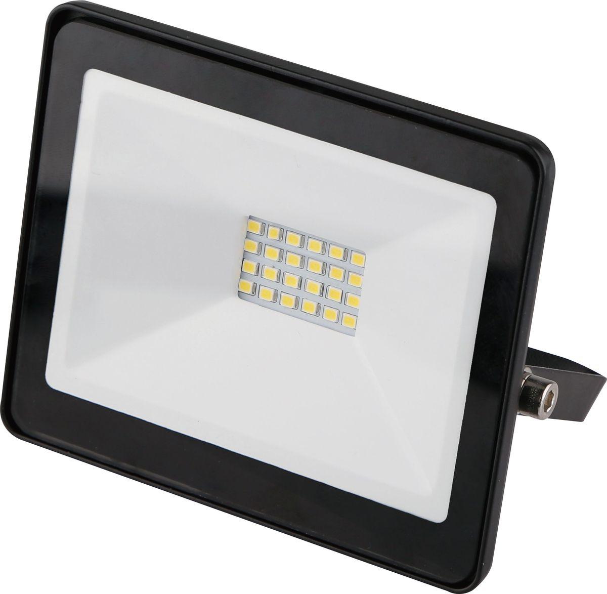 Прожектор светодиодный REV Ultra Slim, 20 W, 6500 К. 32301 332301 3Светодиодный супертонкий прожектор. Предназначен для освещения большого пространства или подсветки объектов и сооружений различного назначения. Корпус прожектора выполнен из металла. В качестве рассеивателя используется ударопрочное прозрачной стекло. Светоотражатель - алюминиевая фольга. Конструкция и применяемые при изготовлении материалы обеспечивают высокую механическую прочность и защиту от пыли и влаги по классу IP65.Потребляемая мощность 20Вт. Эффективность >80Лм/Вт. Прожектор крепится к монтажной поверхности стальной опорной скобой, которая обеспечивает простой монтаж и степень свободы при направлении корпуса изделия.