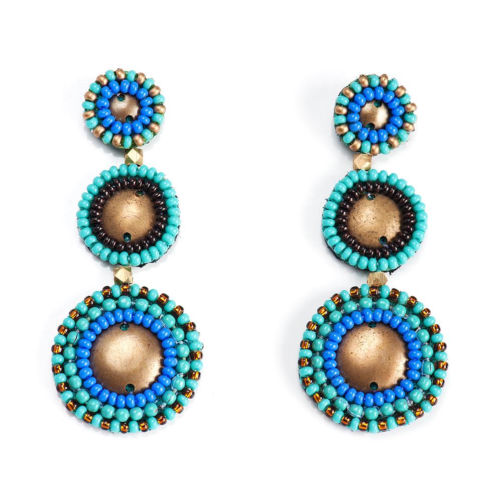 Серьги женские Selena, цвет: бирюзовый, голубой. 2009496020094960Бисер, изнанка-натуральная замша, латунь. Гальваническое покрытие: золото., длина серег 6 см ширина 2 см